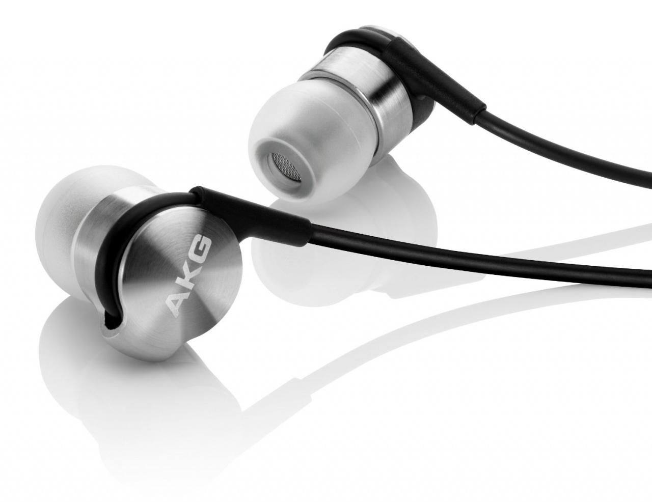 這就是名作K3003了,用上金屬耳殼,售價高達1萬元。