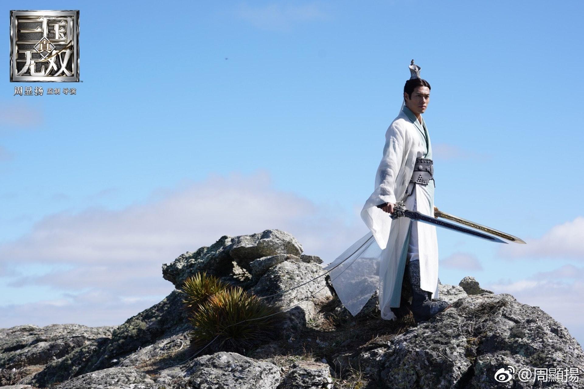 飾演劉備的楊祐寧無論穿便服還是盔甲都超型。(網上圖片)