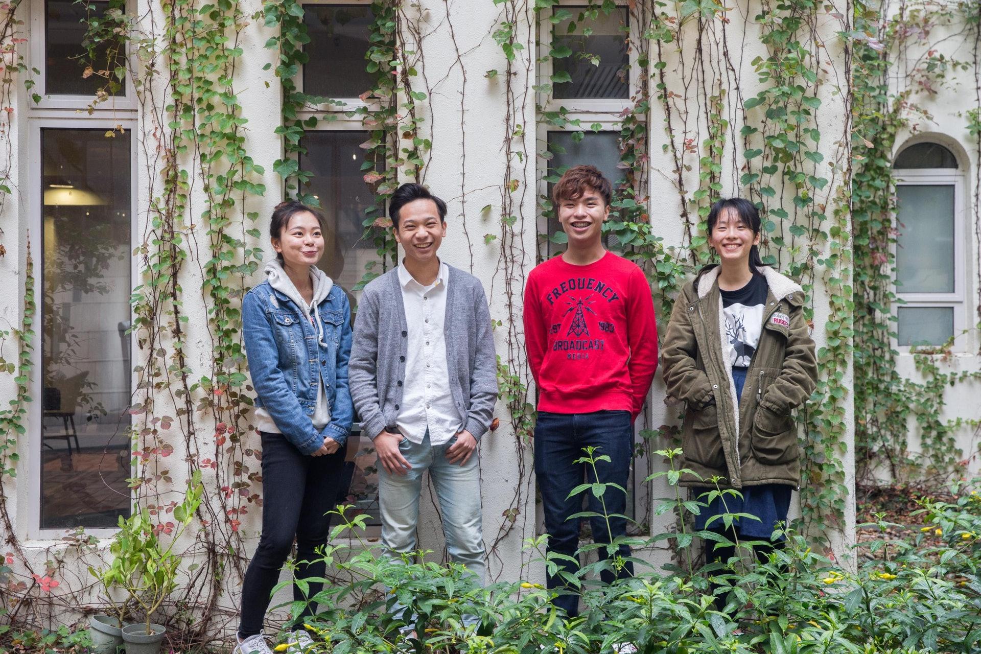 V'air現時共有10名成員,當中包括(左起)李雪瑩、楊子雋、蘇建澤及呂瑋珊。(梁鵬威攝)