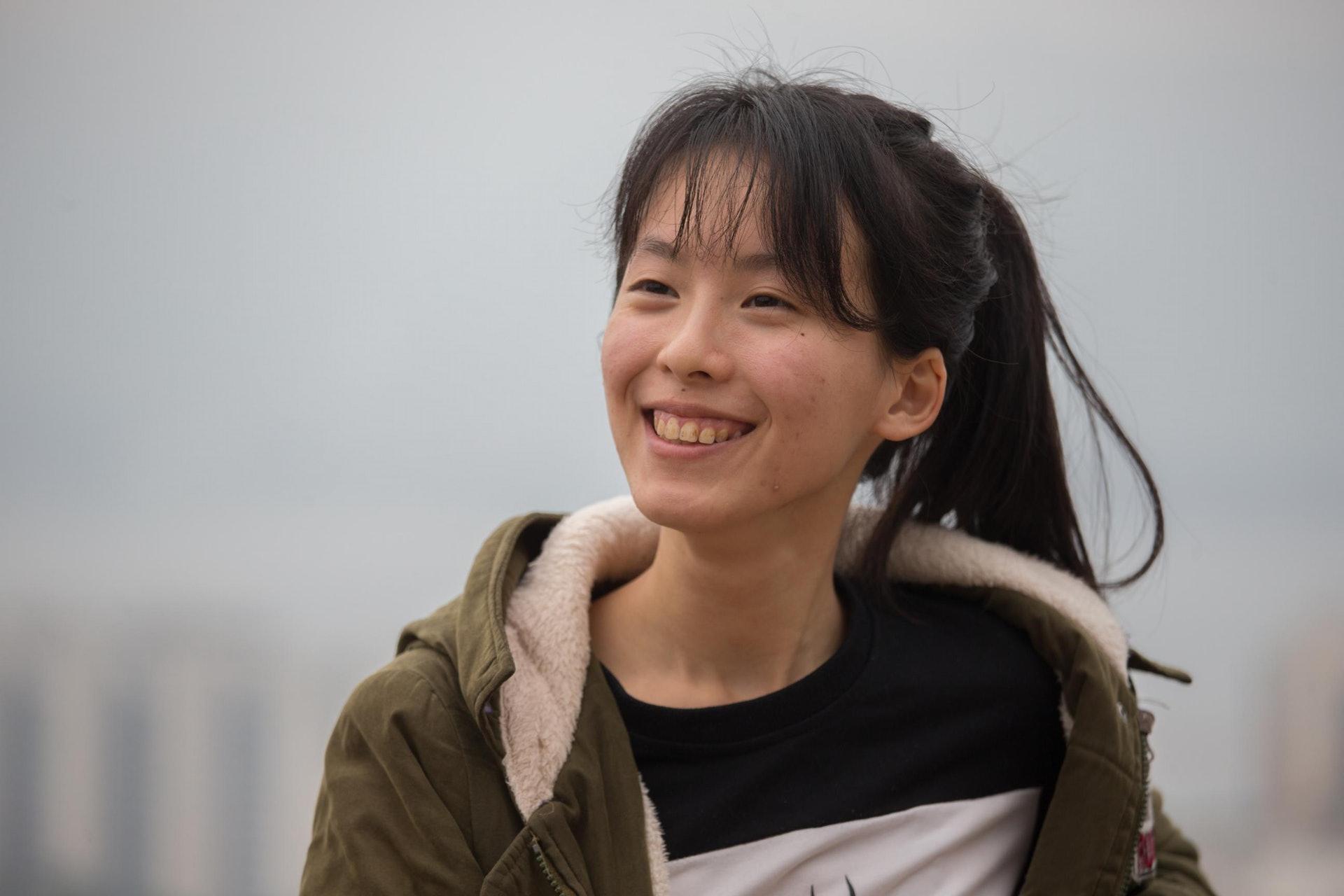 中文系三年級學生呂瑋珊首次行山,便已征服鳳凰山。(梁鵬威攝)