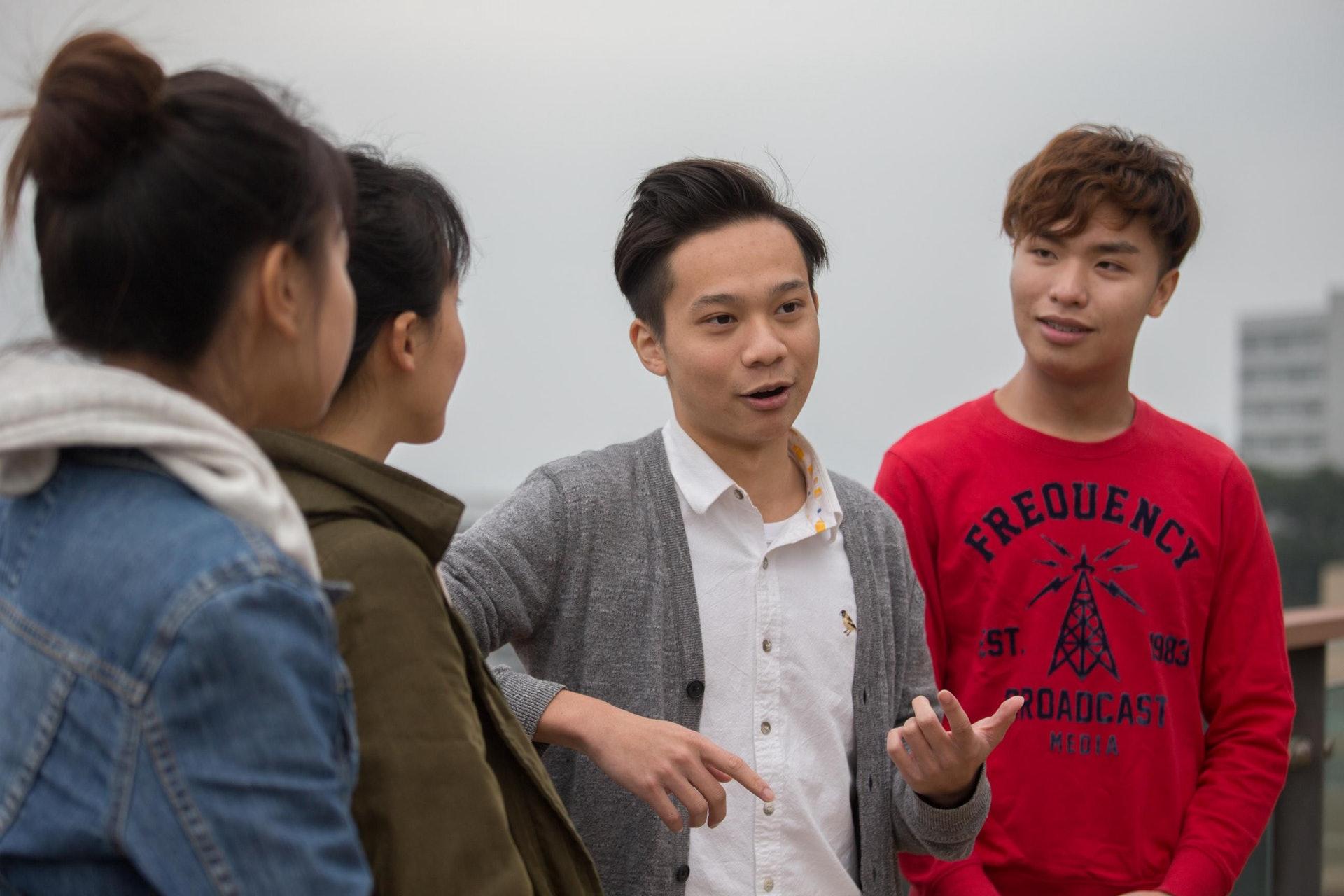 Arthur(右二)擔心,開發郊野公園邊陲會成為壞先例:「香港有咁多自然環境,係一件值得驕傲嘅事。」(梁鵬威攝)
