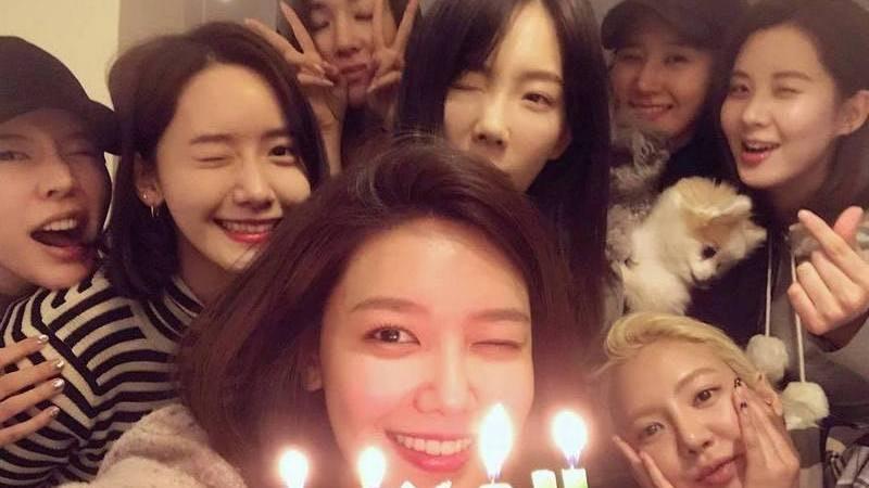 少女時代8人重逢預祝秀英生日久違叫出「現在是少女時代」口號 香港01 