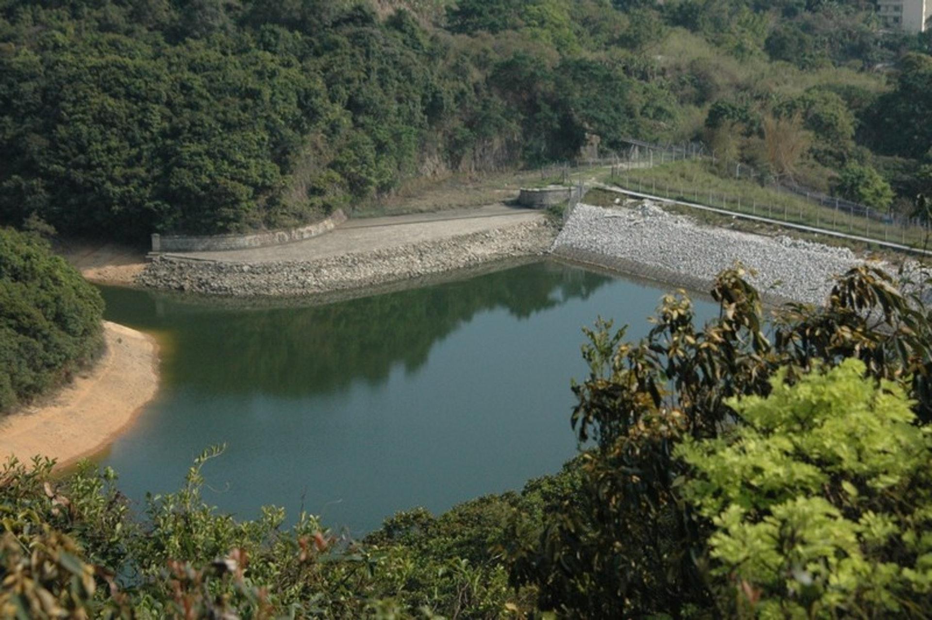 薄扶林水塘是全港最古老的水塘,於1877年沿用至今。