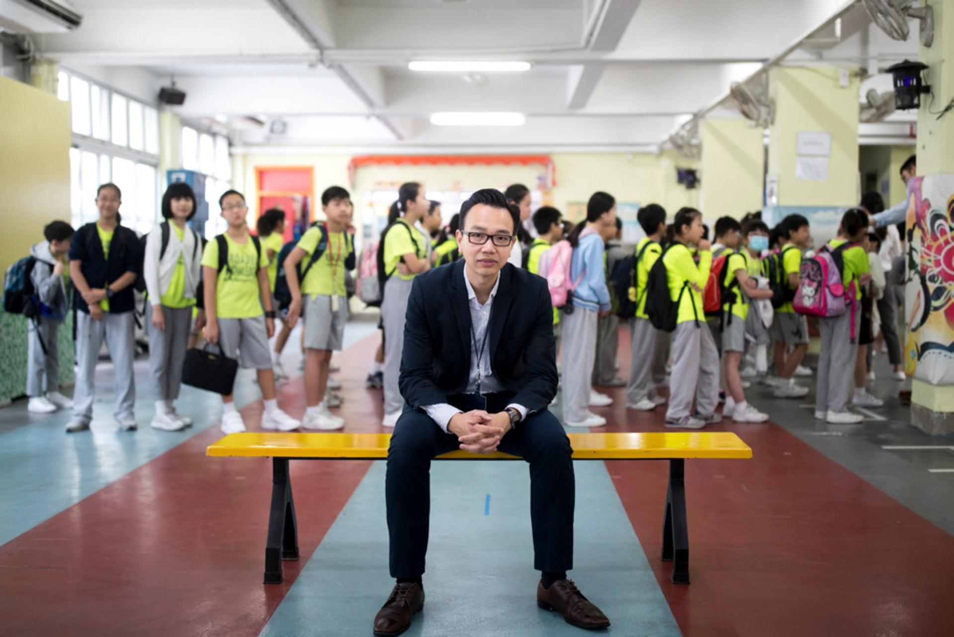 浸信會天虹小學校長朱子穎表示,學校是根據TSA報告,才決定加強學生看圖作文訓練。(余俊亮攝)