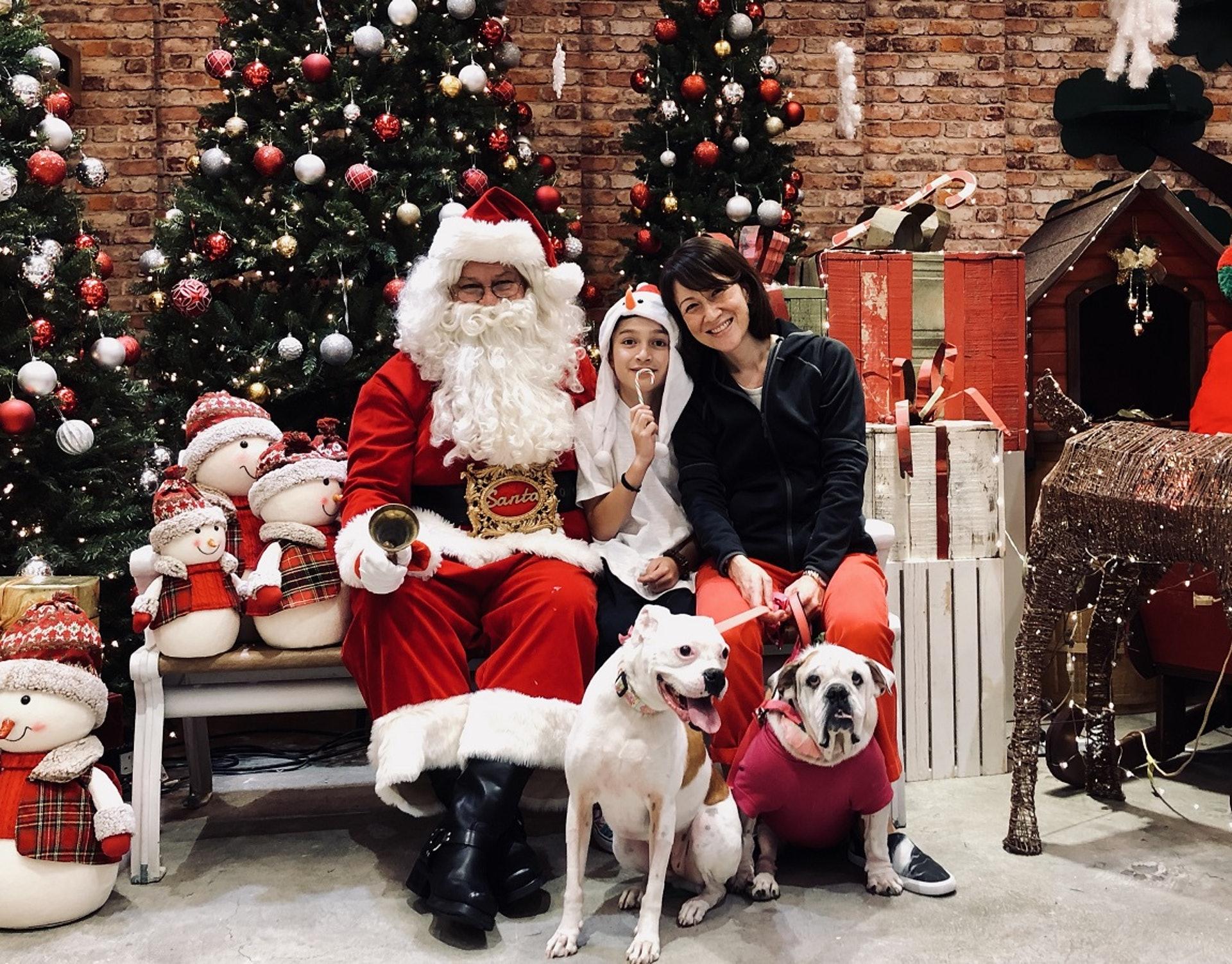 Jolene與家人一起迎接聖誕佳節。(受訪者提供圖片)