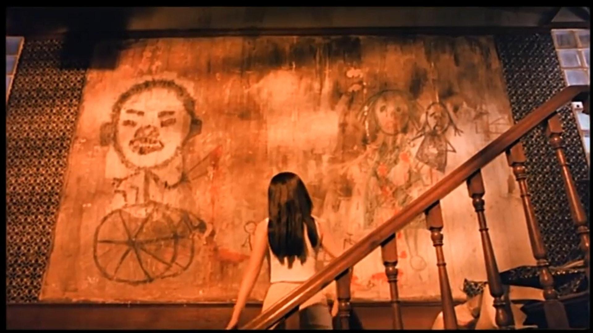 筆者最記得《猛鬼佛跳牆》搣開牆紙一幕。(網上截圖)