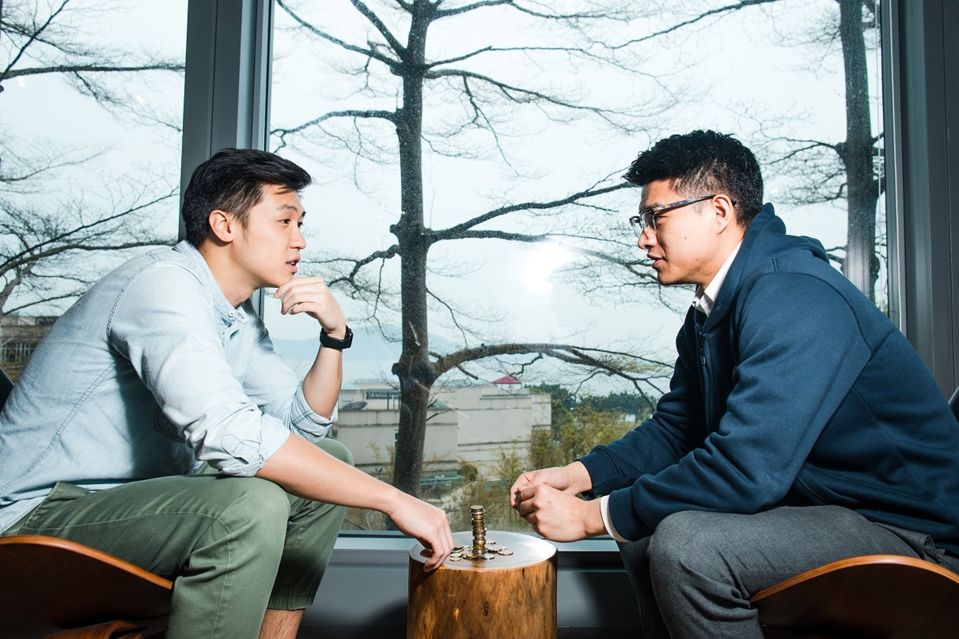﹝左至右﹞HEYCOINS聯合創辦人Adam和Eddie一個負責宣揚企業概念,一個負責構思品牌發展。﹝吳煒豪攝﹞