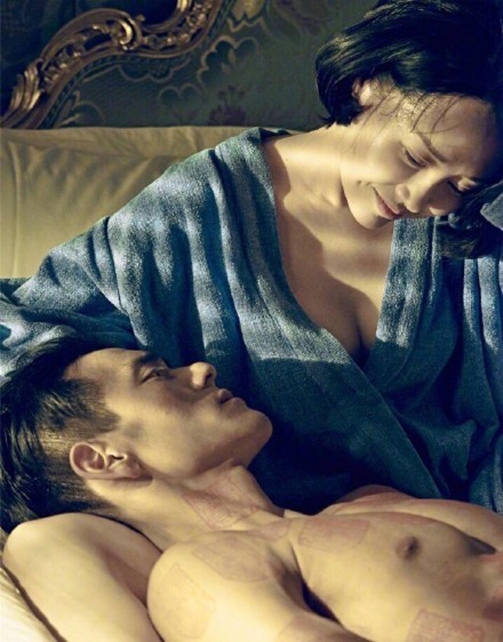 片中彭于晏與年近半百的內地女星許晴有床上戲,又係全裸上陣。