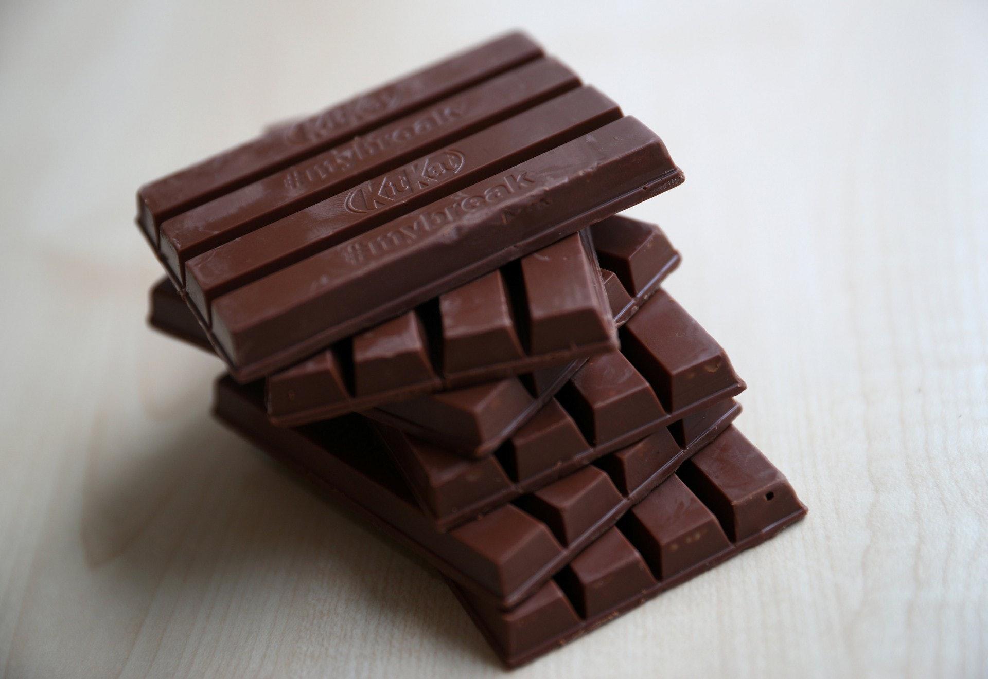 KitKat造型爭議:雀巢一直希望把KitKat四條一排的造型成為註冊商標,引發爭議。(路透社)