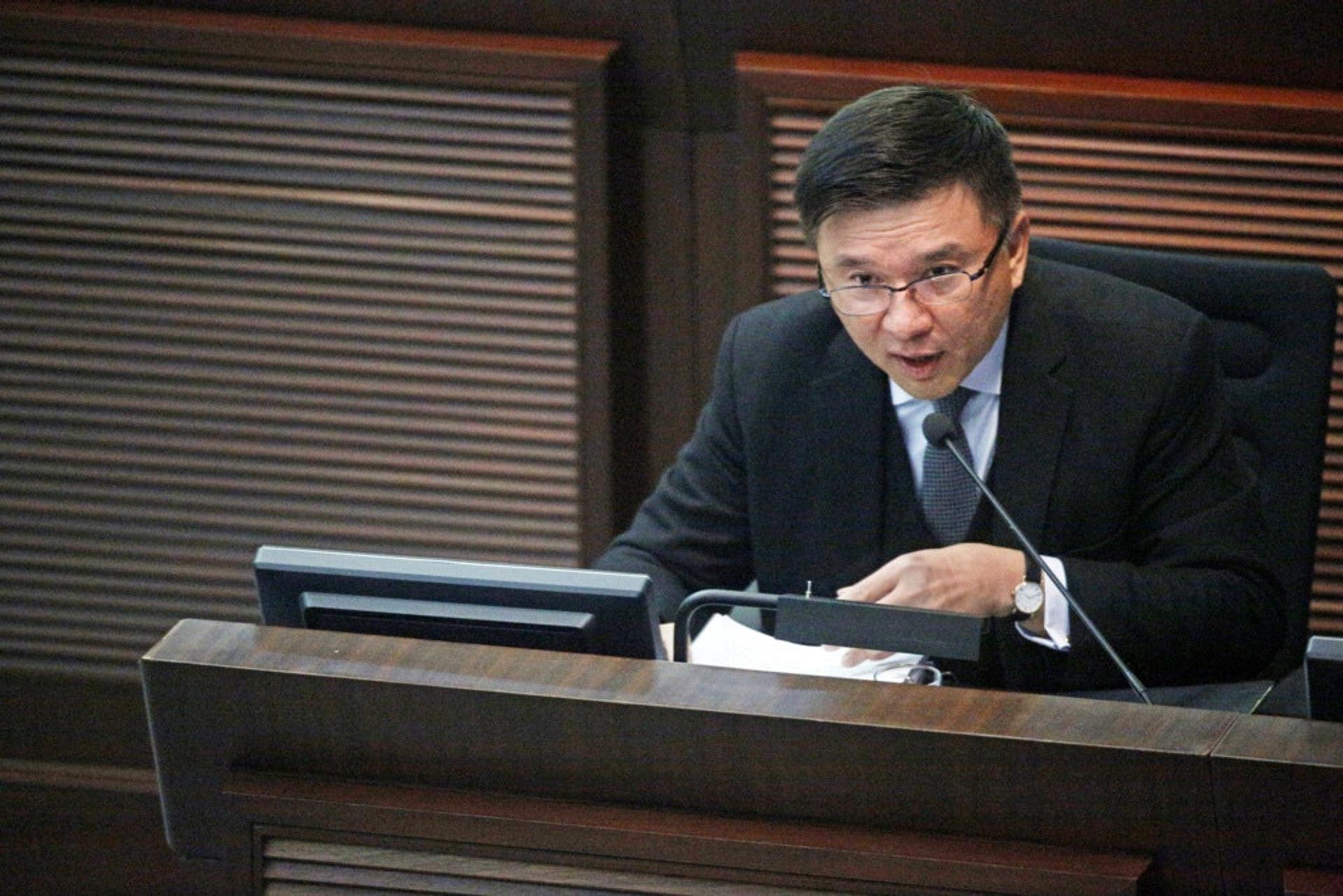 陳家強過往回應立法會議員提問,一再重申並無需要由金管局規管財仔。(資料圖片/鍾偉德攝)