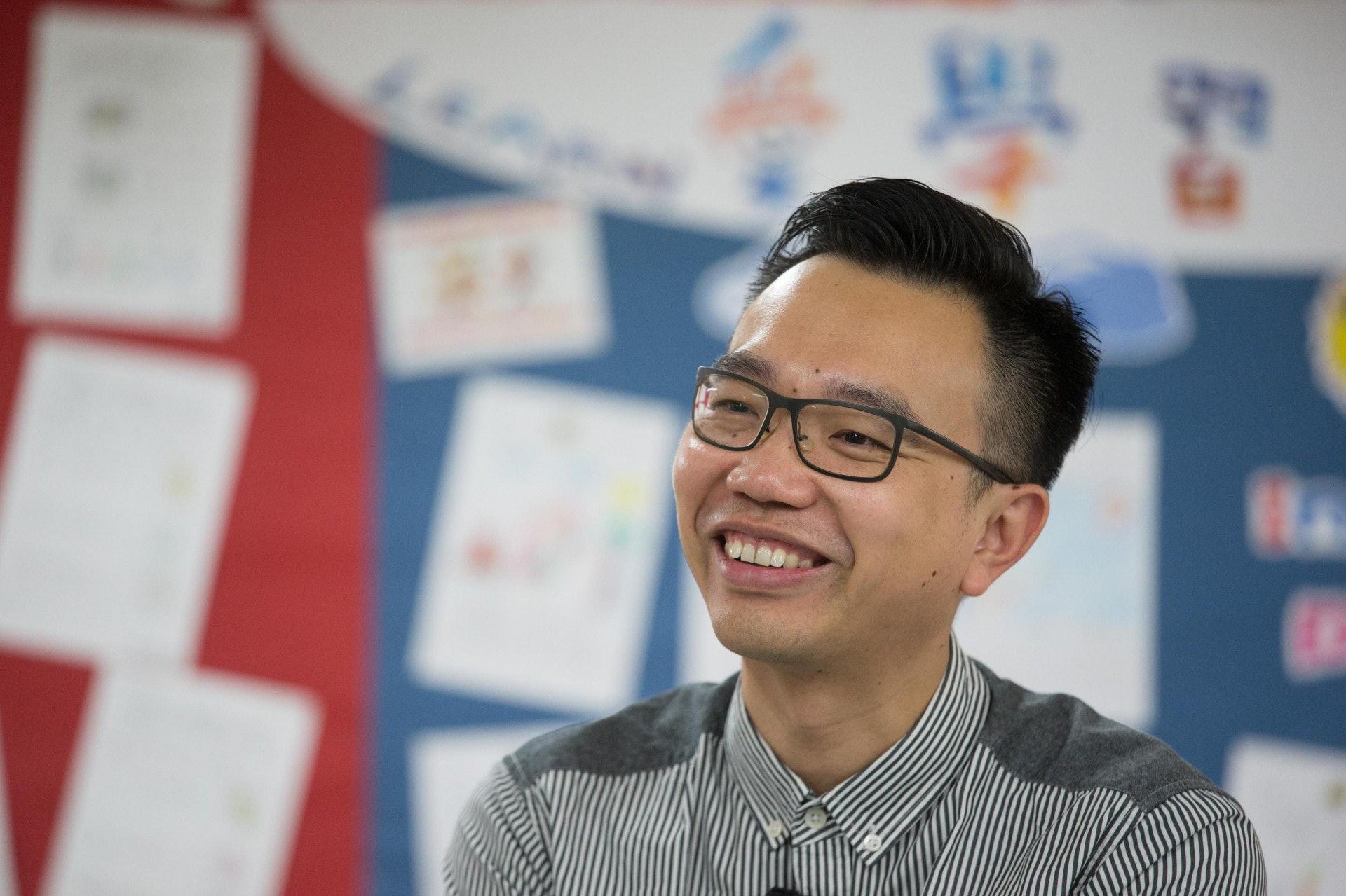 浸信會天虹小學校長朱子穎,任期將於8月31日正式完結,他期望跳出框框,轉換跑道,為其他學生服務。(梁鵬威攝)