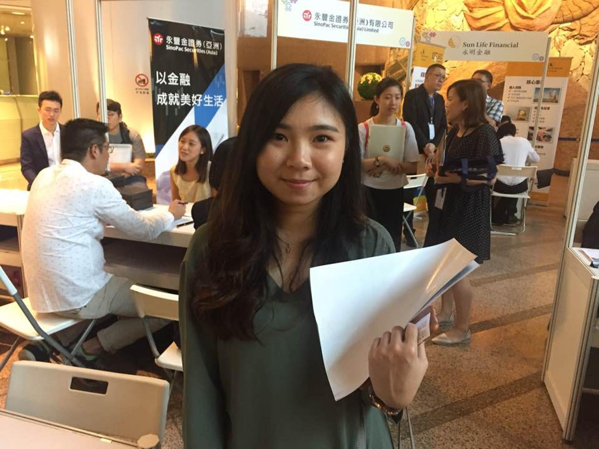 呂小姐羨慕台灣有民主制度及健全醫保系統。(張嘉敏攝)