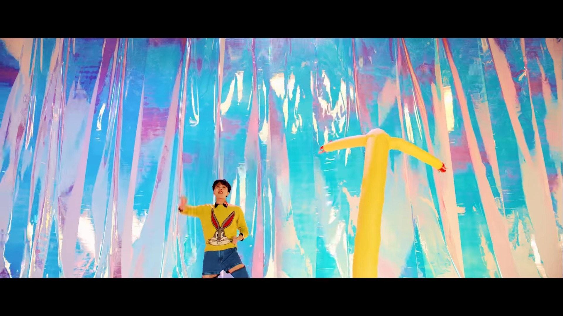 BTS「IDOL」MV天价战袍大公开!世界弹果然不是叫假的!