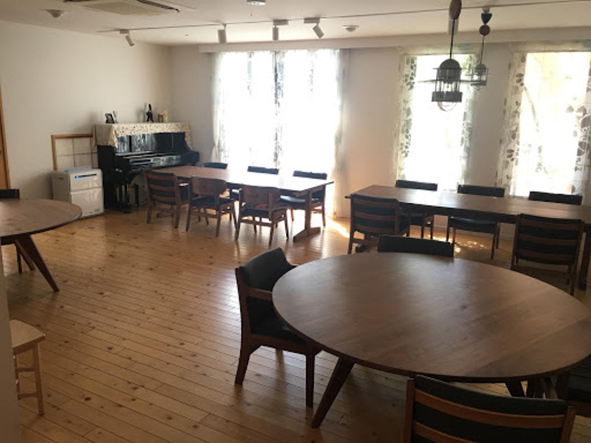 「長者住宅」的內部都是以木調為主,帶有一種家的感覺。(筆者拍攝)