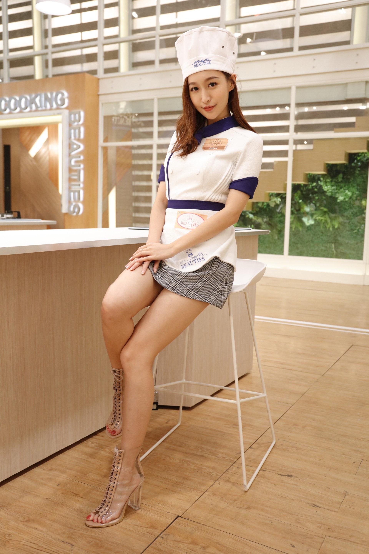 洛兒(Lokyii)係咁多個「美女學徒」之中最受網民關注嘅一位。
