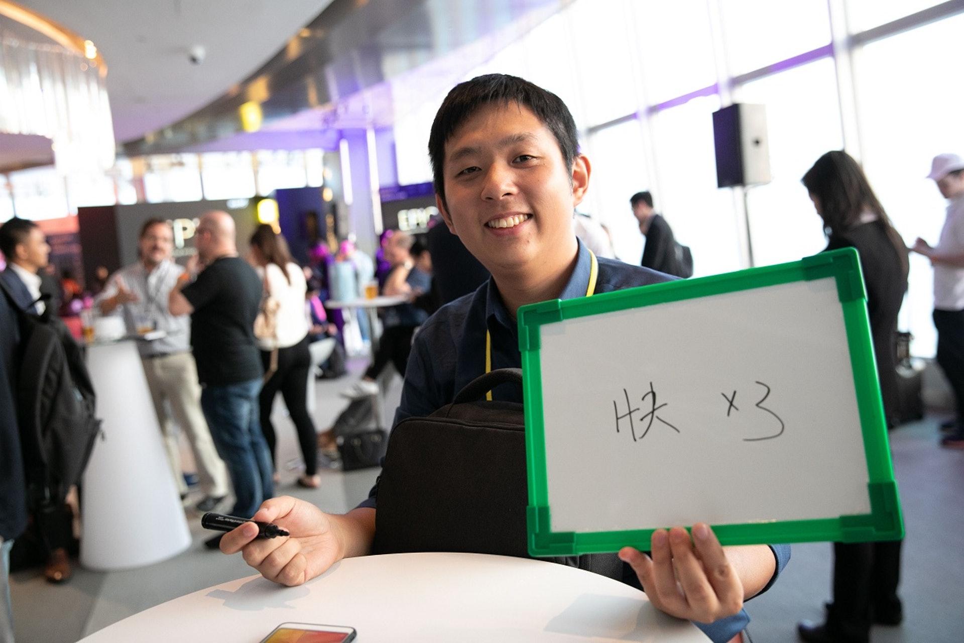 【快X 3】台灣創企Celaqua的創辦人翟容迪原來已是第二次參加電梯募投,更曾當上台灣站的冠軍。要他寫下對香港創業生態圈的感覺,他不加思索便完成了,「香港搞創業,要快、快、快!」