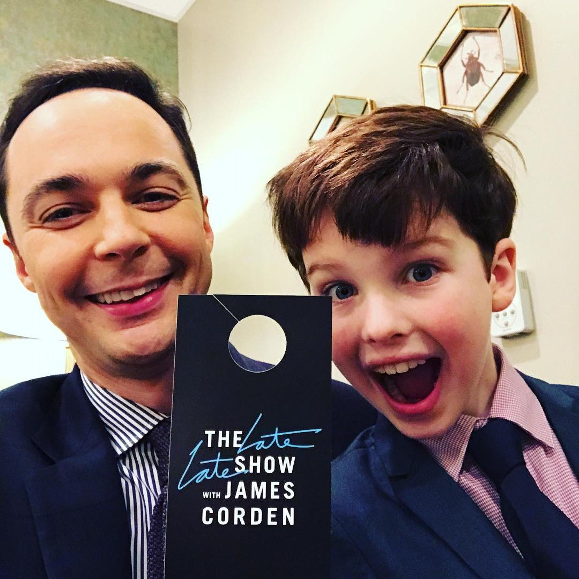 Parsons在《The Big Bang Theory》扮演的Sheldon令人印象深刻,深受觀眾喜愛,因此製作衍生劇《Young Sheldon》。(IG圖片)
