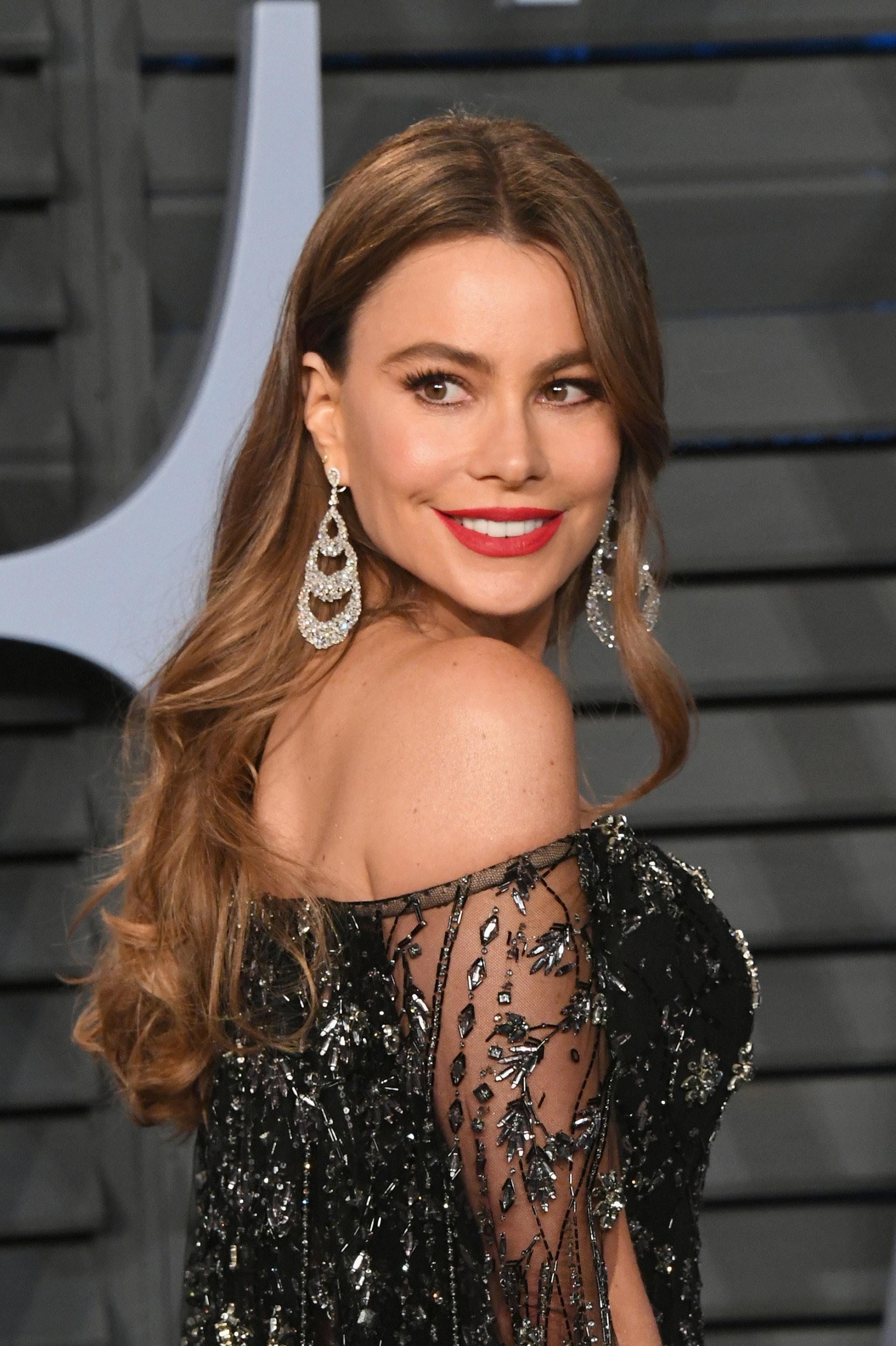 美國女星Sofia Vergara收入豐厚,超出第2位73%,連續連續7年成為電視界收入最高的女演員,連續3年成為年度收入最高的電視明星。(視覺中國)