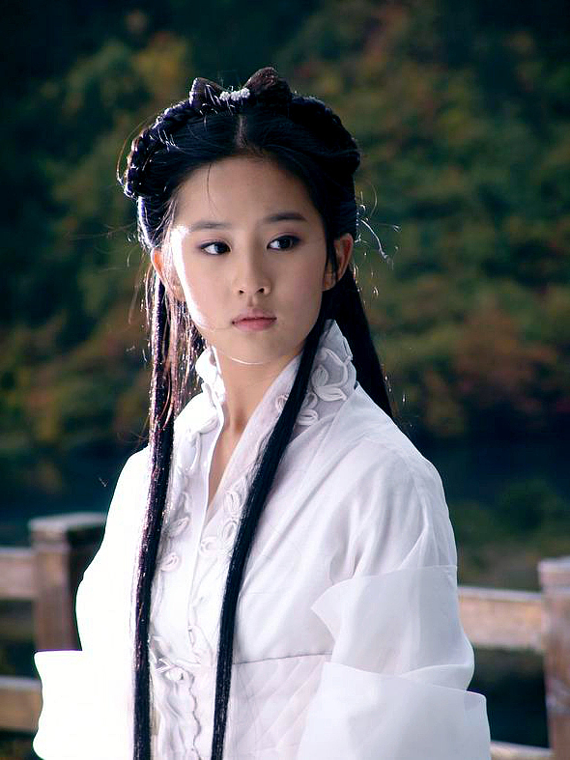 劉亦菲曾飾小龍女。(《神鵰俠侶》劇照)