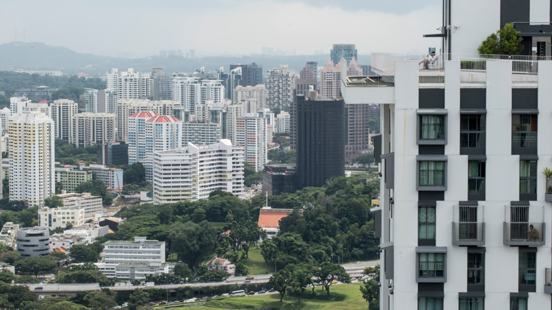 不過,陳家樂認為香港與新加坡的制度不同,港府不能完全抄襲。(羅君豪攝)