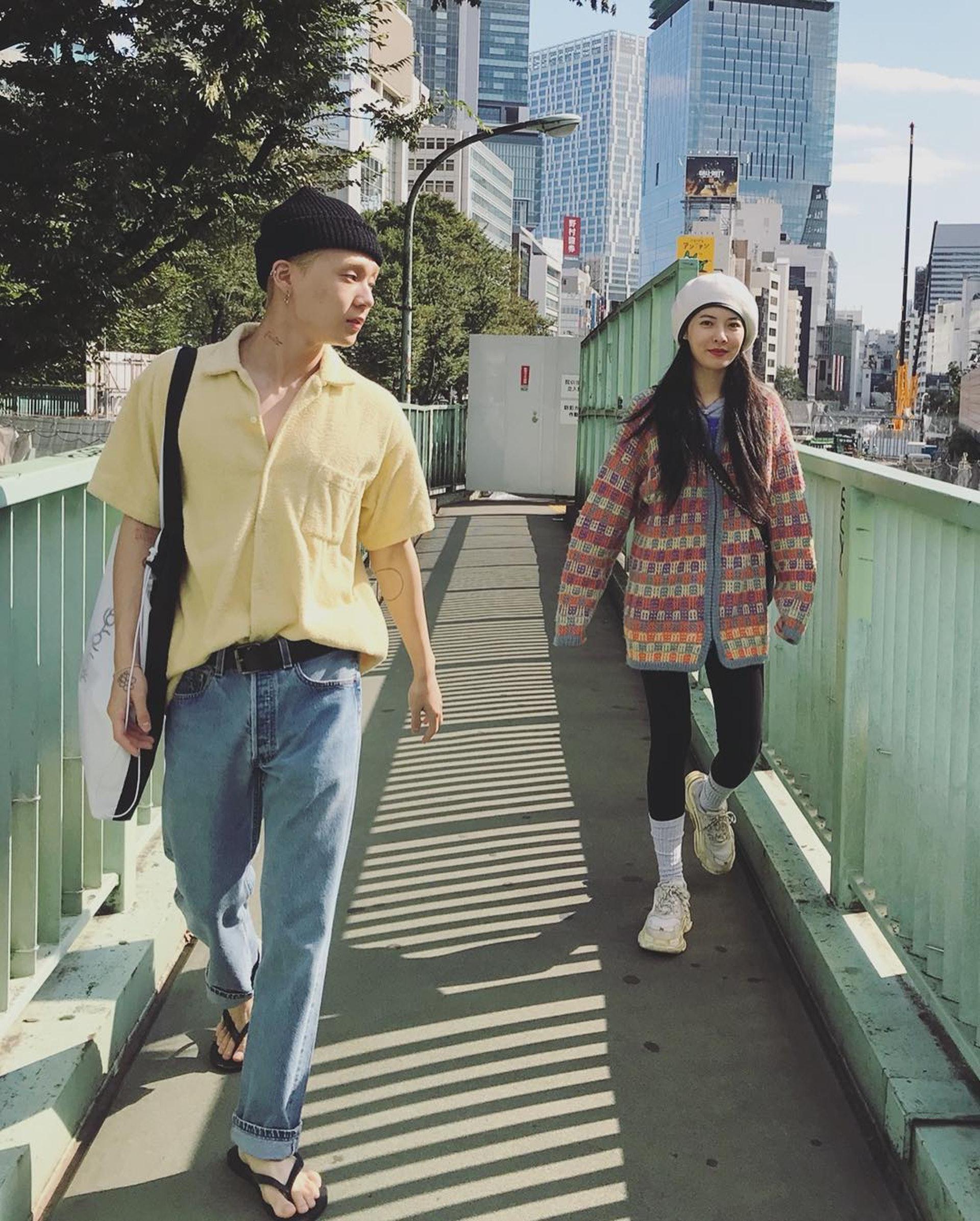 E'Dawn和泫雅在離開Cube娛樂後,時常在Instagram大放閃光彈。(網上圖片)