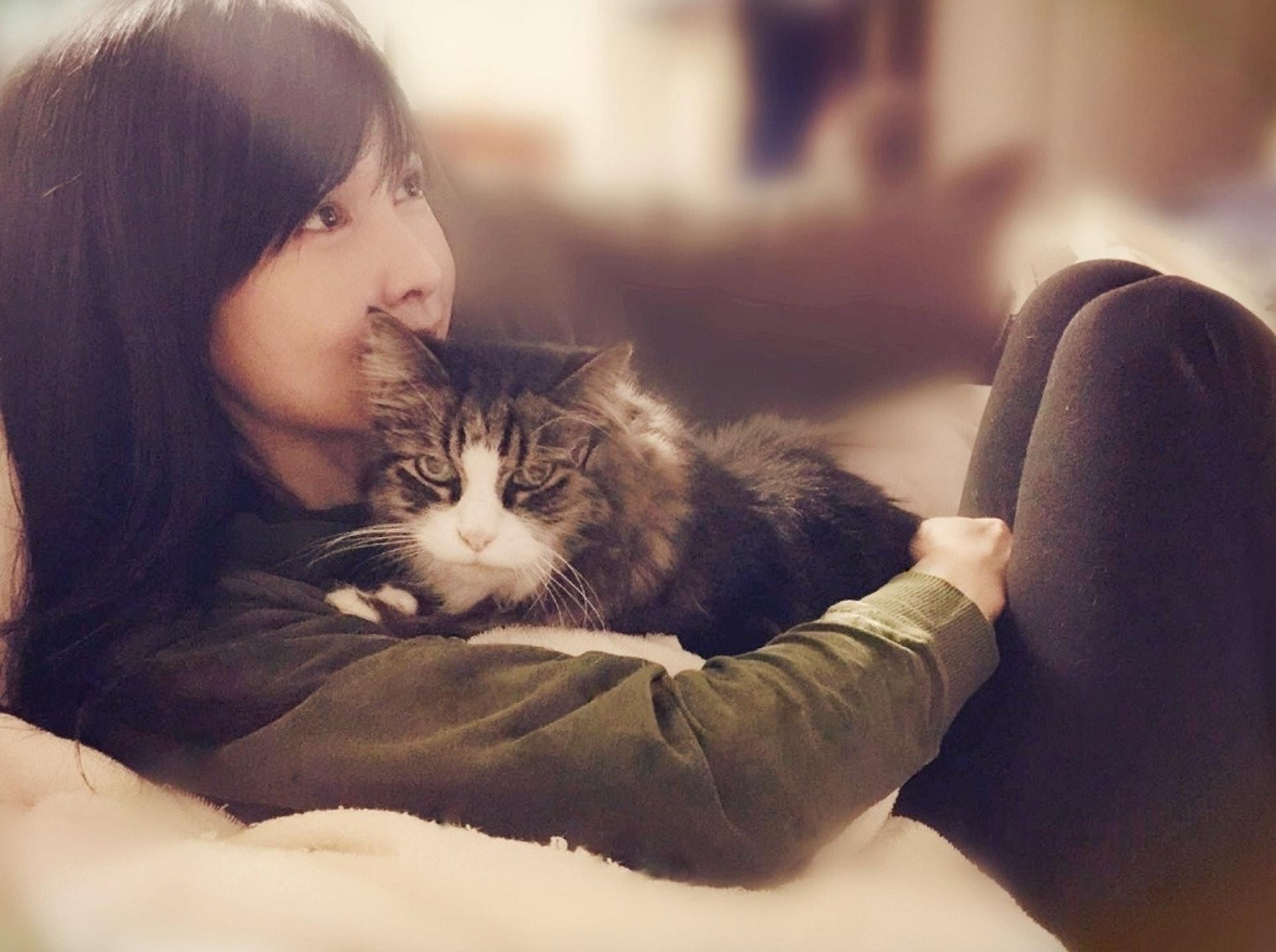 不少讀者都表示敬佩她對動物的愛心與耐心。(微博照片)