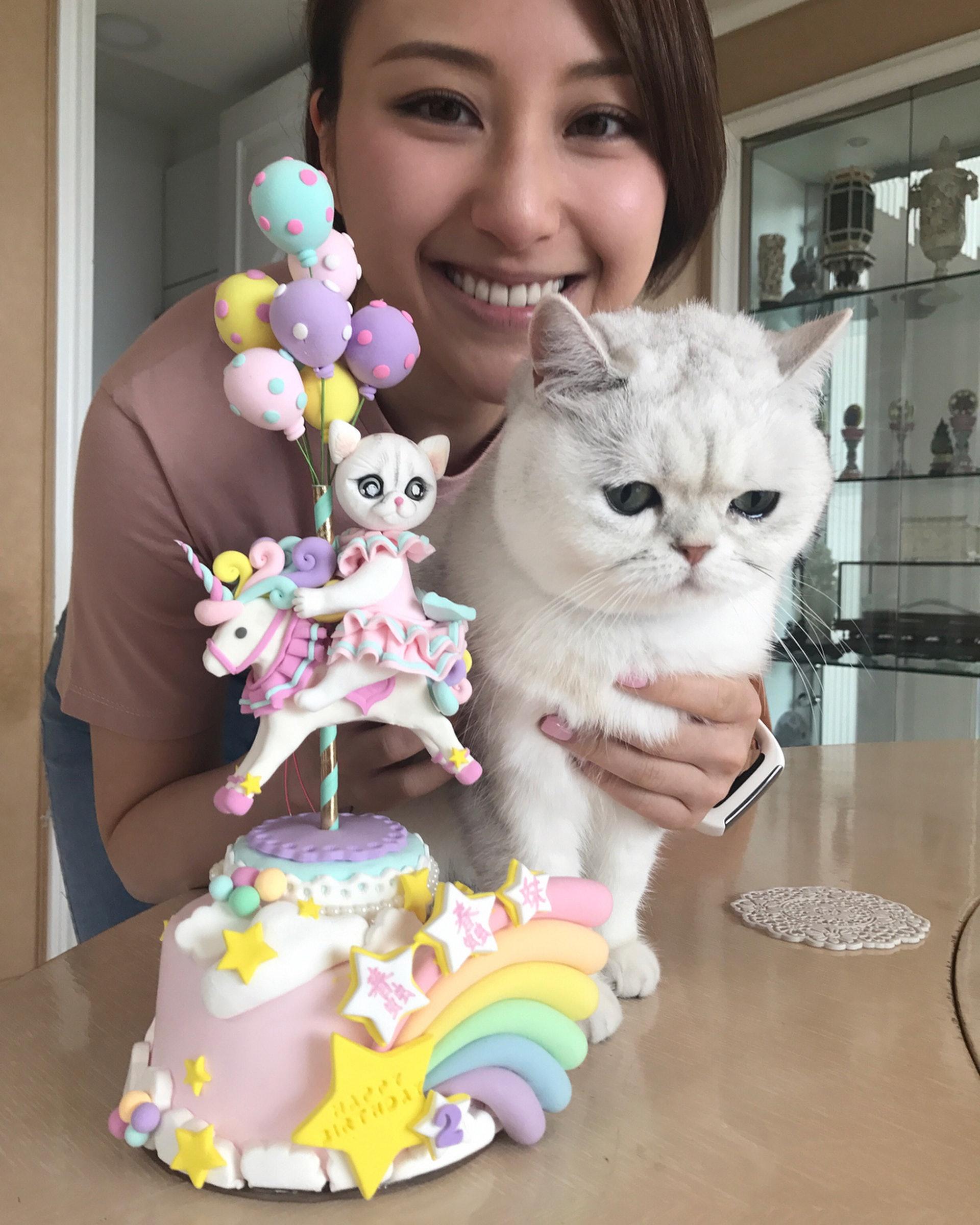 她們更會為貓貓舉行生日會(IG圖片)