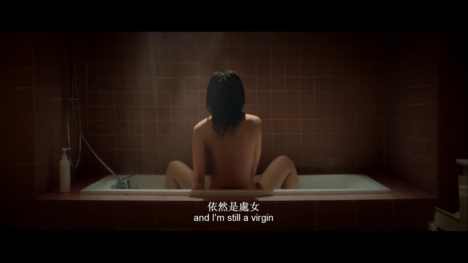 蔡卓妍飾演的獨生女小敏,與丈夫結婚四年,卻未能靈慾一致,至今仍是處女。(網上擷圖)
