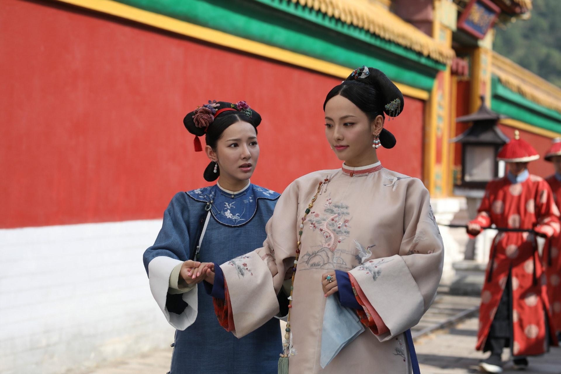 《延禧攻略》中張嘉倪飾演的香妃雖然也是大美人,但就欠缺了回族姑娘的氣質。(劇照)