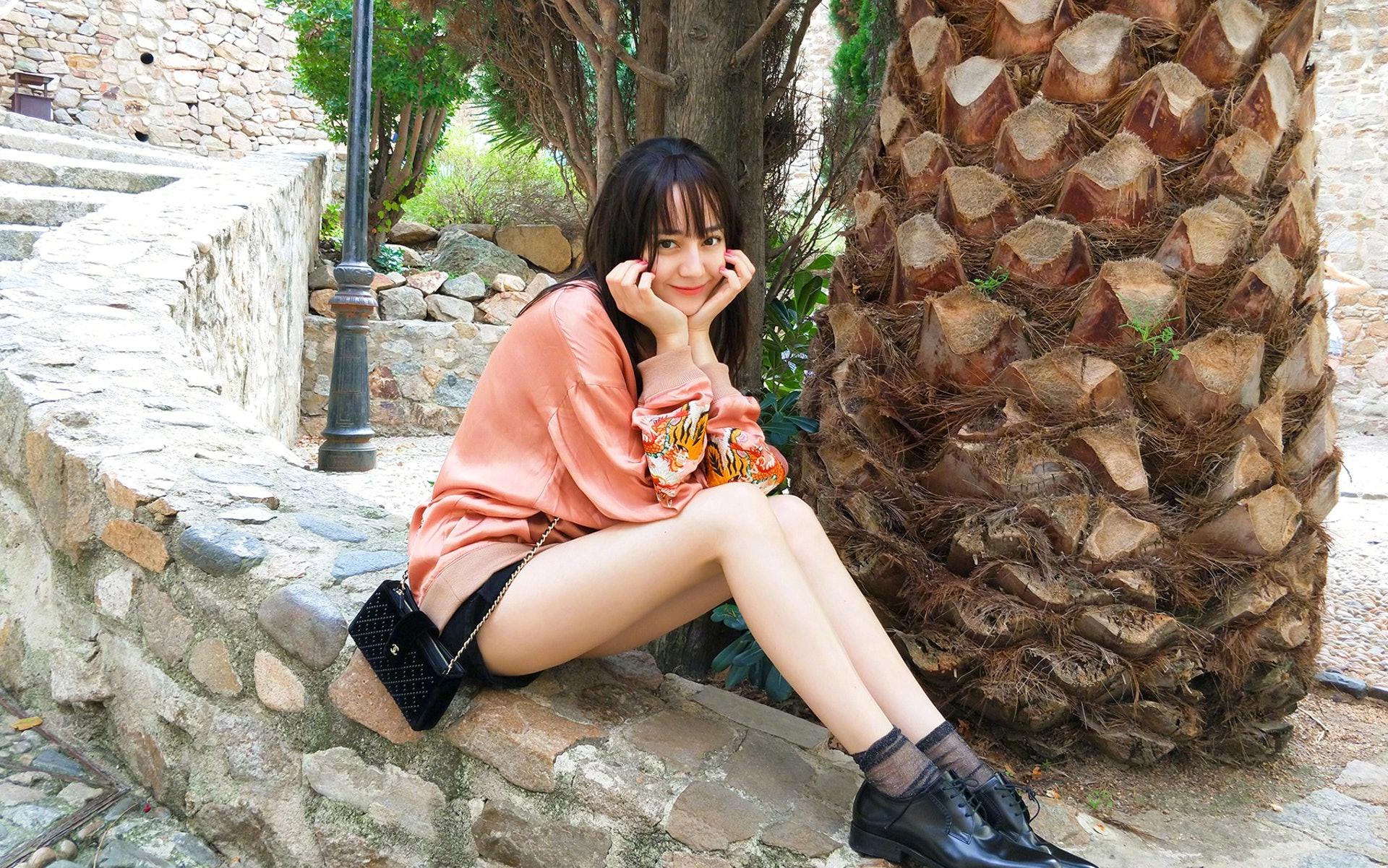 日本網民盛讚熱巴的美貌是「中國最美麗的女人」。(網上圖片)