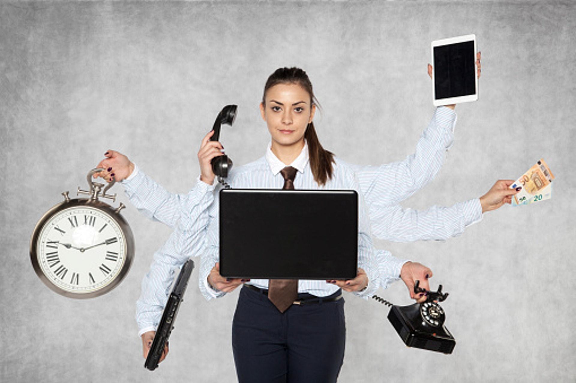 副業應該是:發揮你現有的能力,開闢正職以外的收入來源。重點是,它跟「兼職」是不一樣的。(GettyImages)