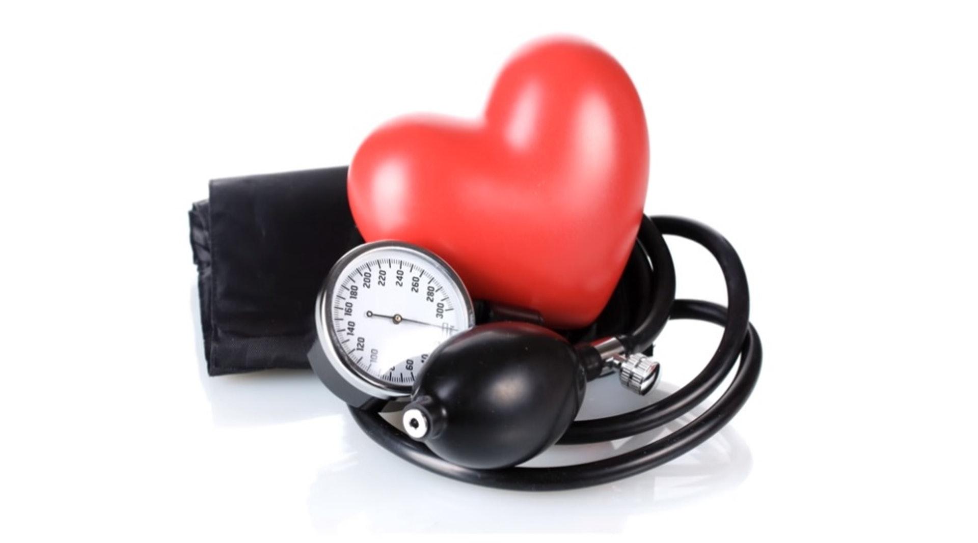 為了促進銷量,李約翰將藥量加重了14倍,服用者有可能會出現血壓下降等情況。(網絡圖片)