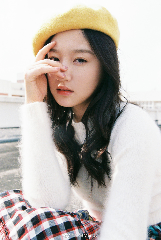 有網民極速「起底」,發現她是微博擁有逾8萬粉絲的四川女生「林真Mandy」。(微博「林真Mandy」圖片)