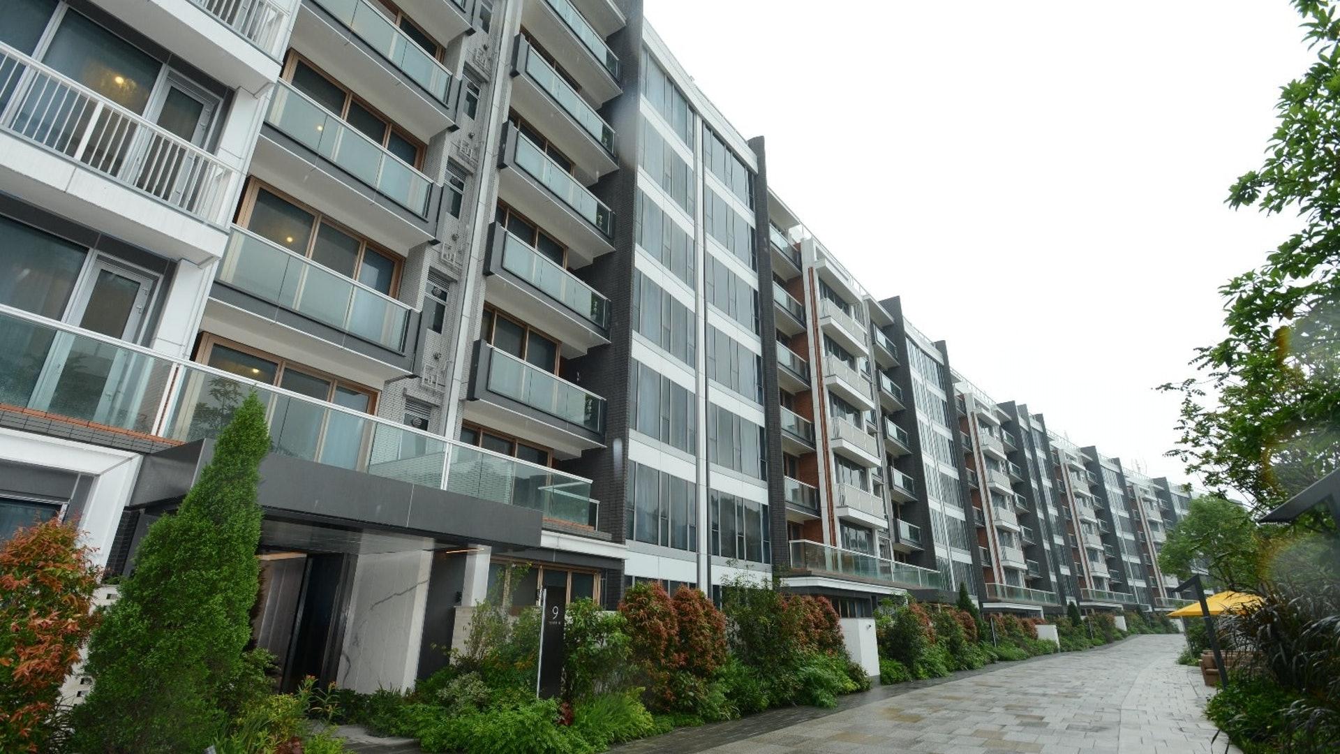 詹Sir表示,去年共檢驗約40多個新落成屋苑,包括新地眀徳山、海天晉、Park YOHO Genova、新世界傲瀧、柏巒等。(資料圖片)