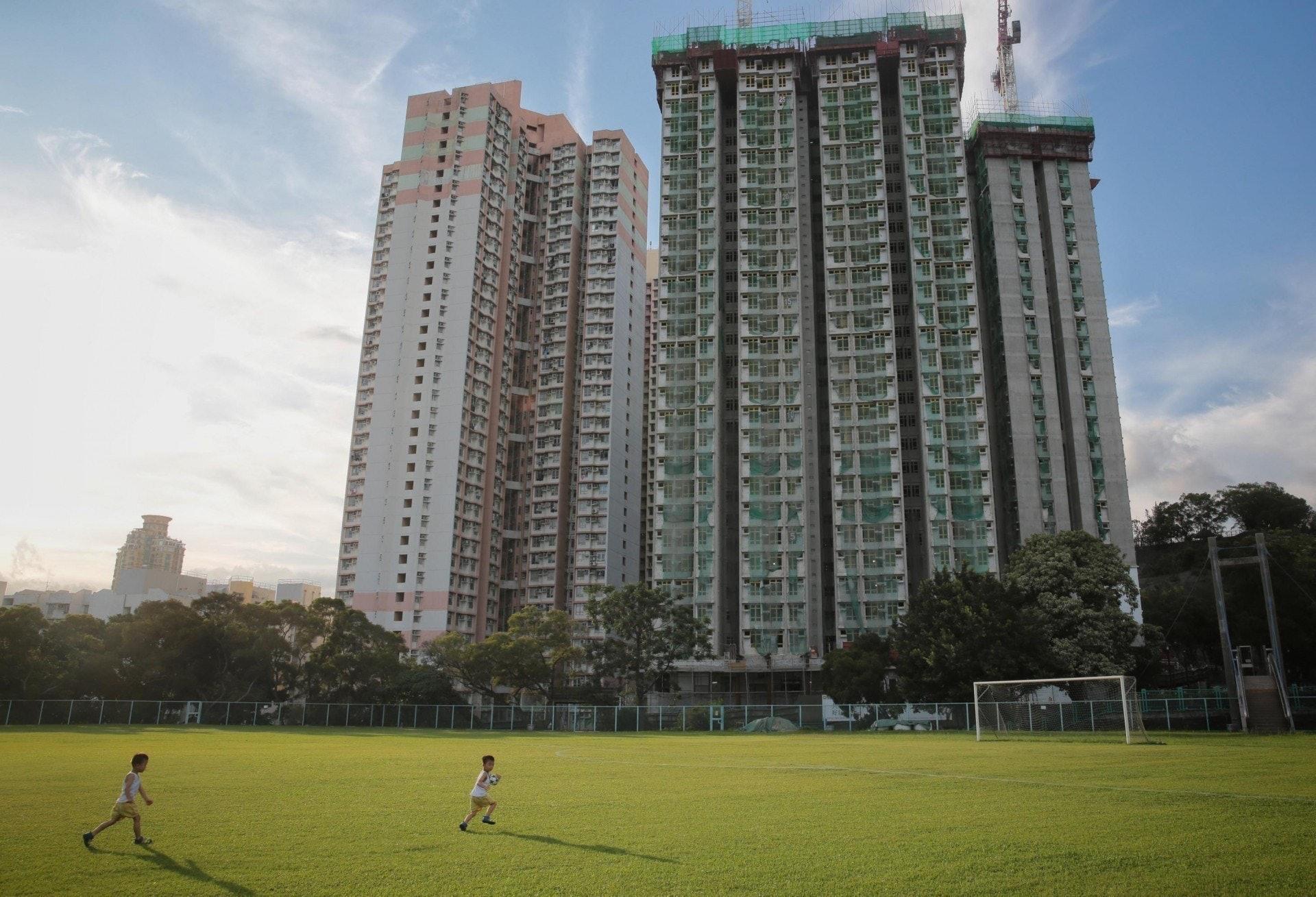 房委會將於今年推售新一期居屋,涉及六個屋苑,共4,871伙,其中包括何文田冠德苑。(資料圖片)