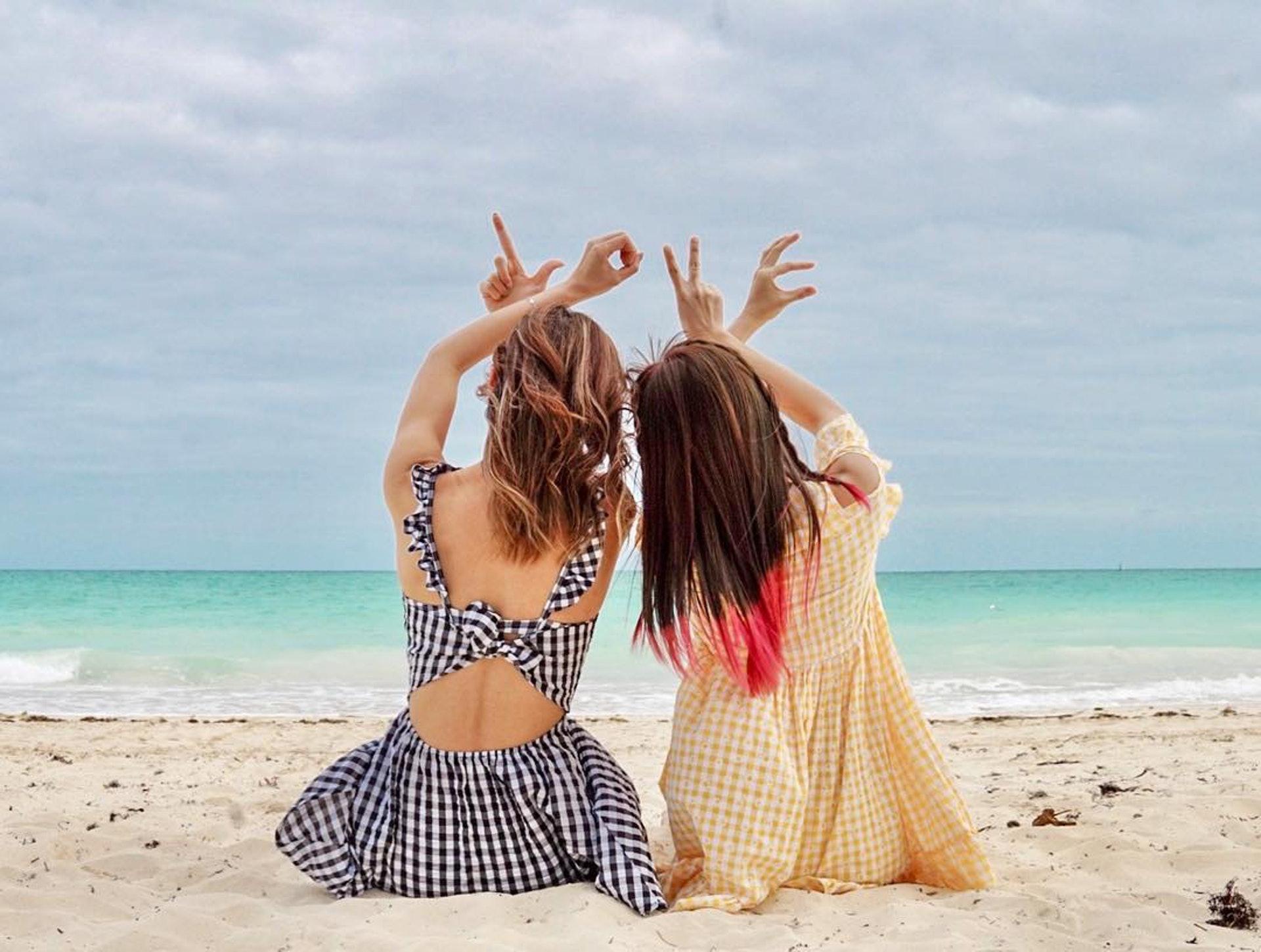Jessica和Alycia情同姊妹,日前一同到巴哈馬旅行。(陳婉衡IG圖片)