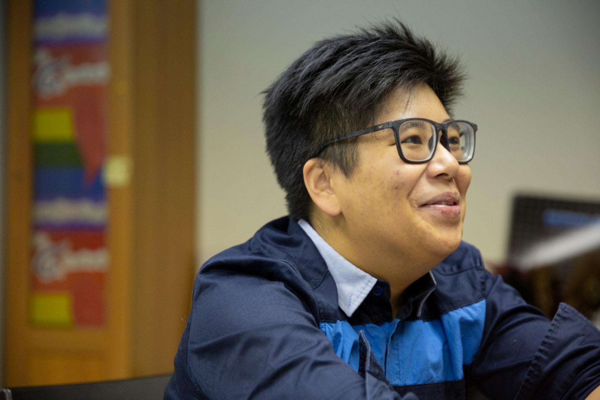 郭可芹今年31歲,2008年起加入同志運動,現是女同學社的執行幹事及「G點電視」台長。