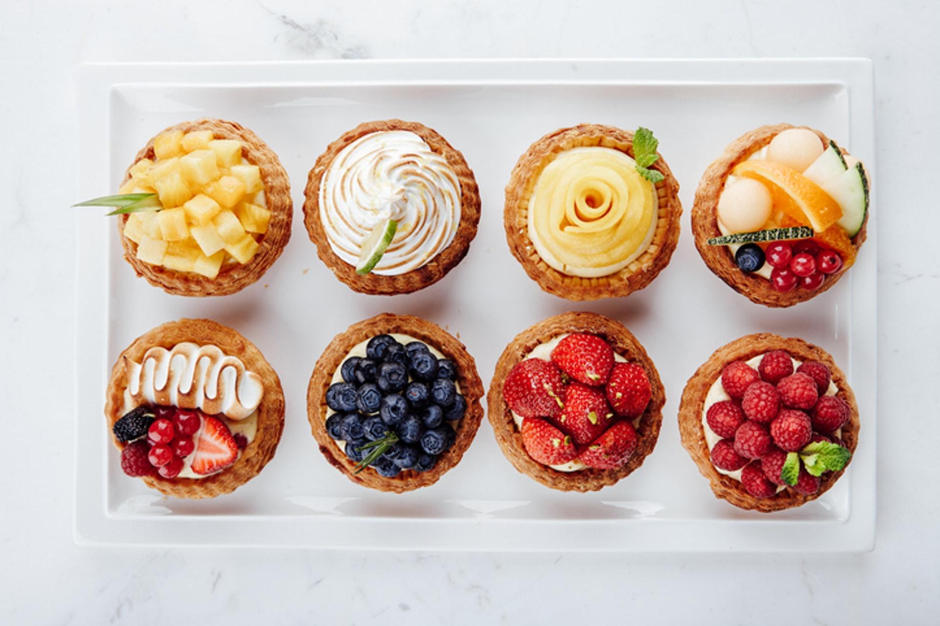 4.【果撻】(最高脂) 水果撻雖然含有營養豐富的水果,但製作過程中,都會添加糖分,餅底亦會含有不少牛油和忌廉或吉士醬,全部屬於高糖分及高脂肪食材。(GettyImages/VCG)
