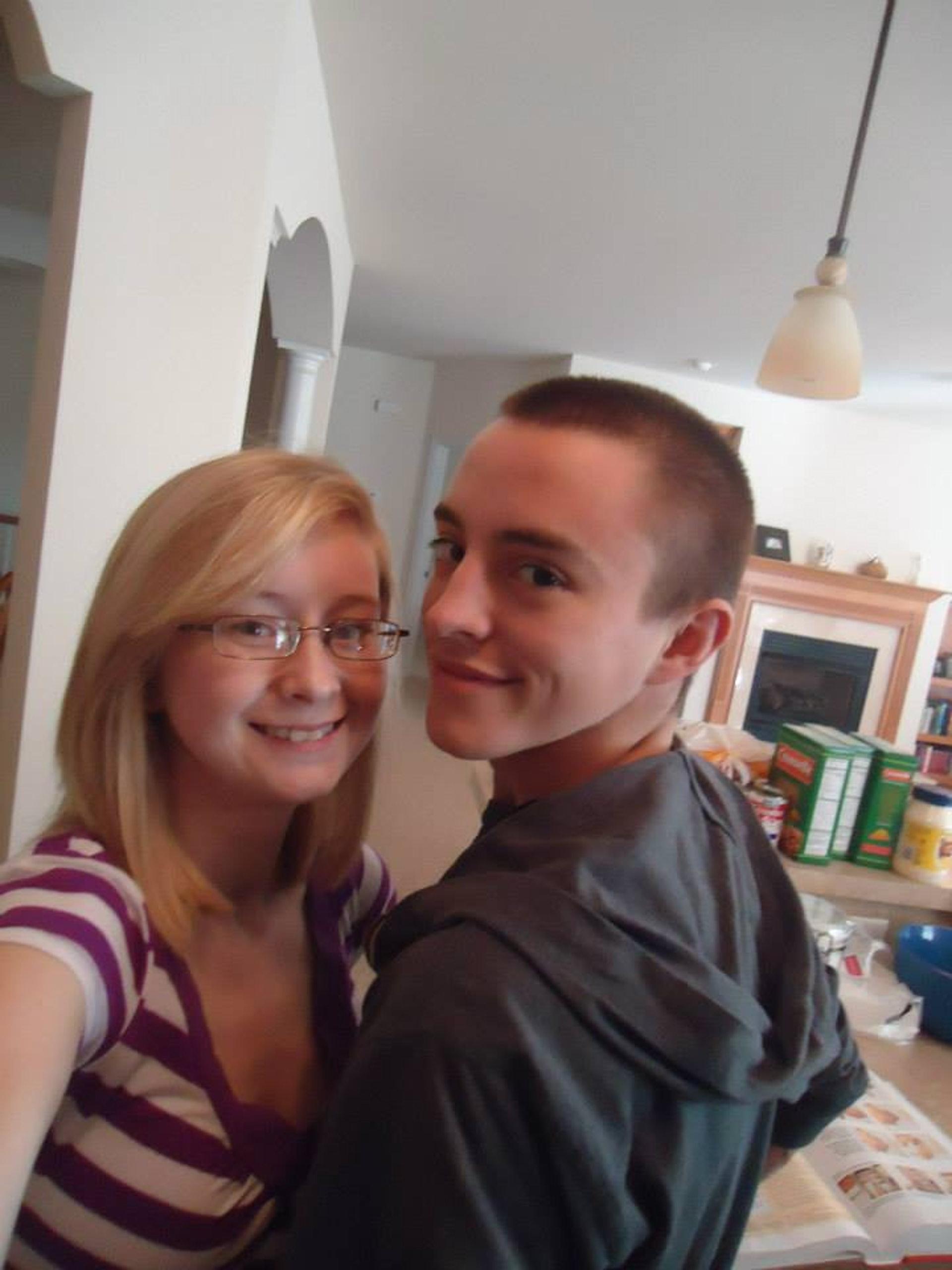 凱蒂(Katie Prager)和道爾頓(Dalton Prager)均患上「囊腫性纖維症」,兩人亦曾有過一段開心又健康的時光。(facebook「Dalton and Katie Prager's Transplant Page」圖片)