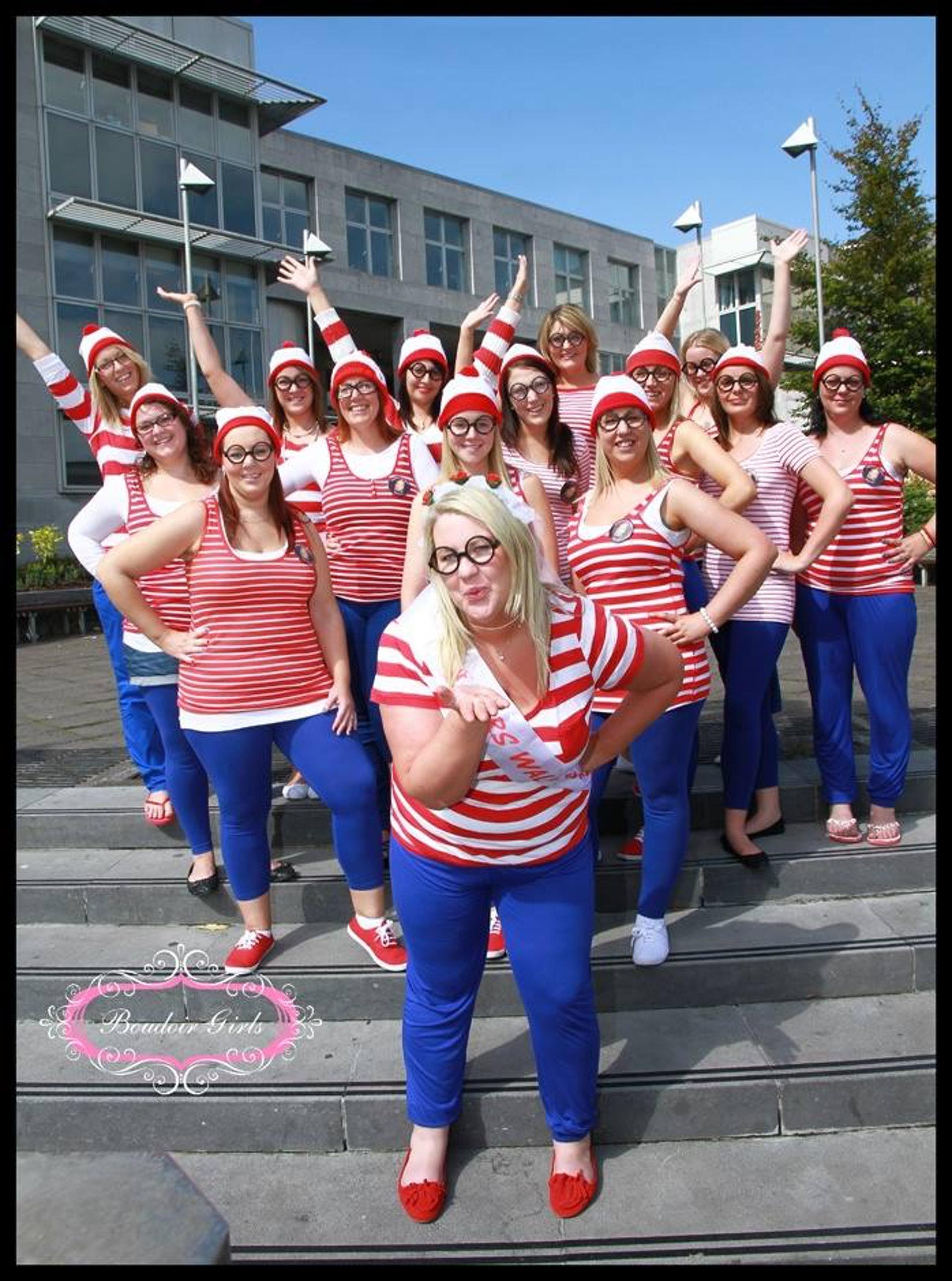 威利现时全球也有粉丝,更模仿威利的打扮。 (网上图片)