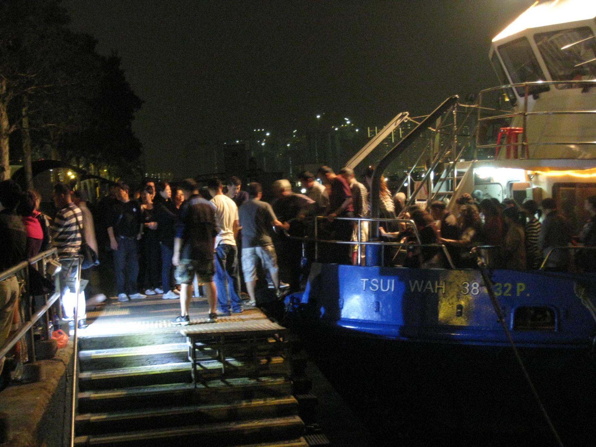 九龍城區區議員潘國華表示,每晚六時到十時為登岸高峰期。(九龍城區區議員潘國華提供)