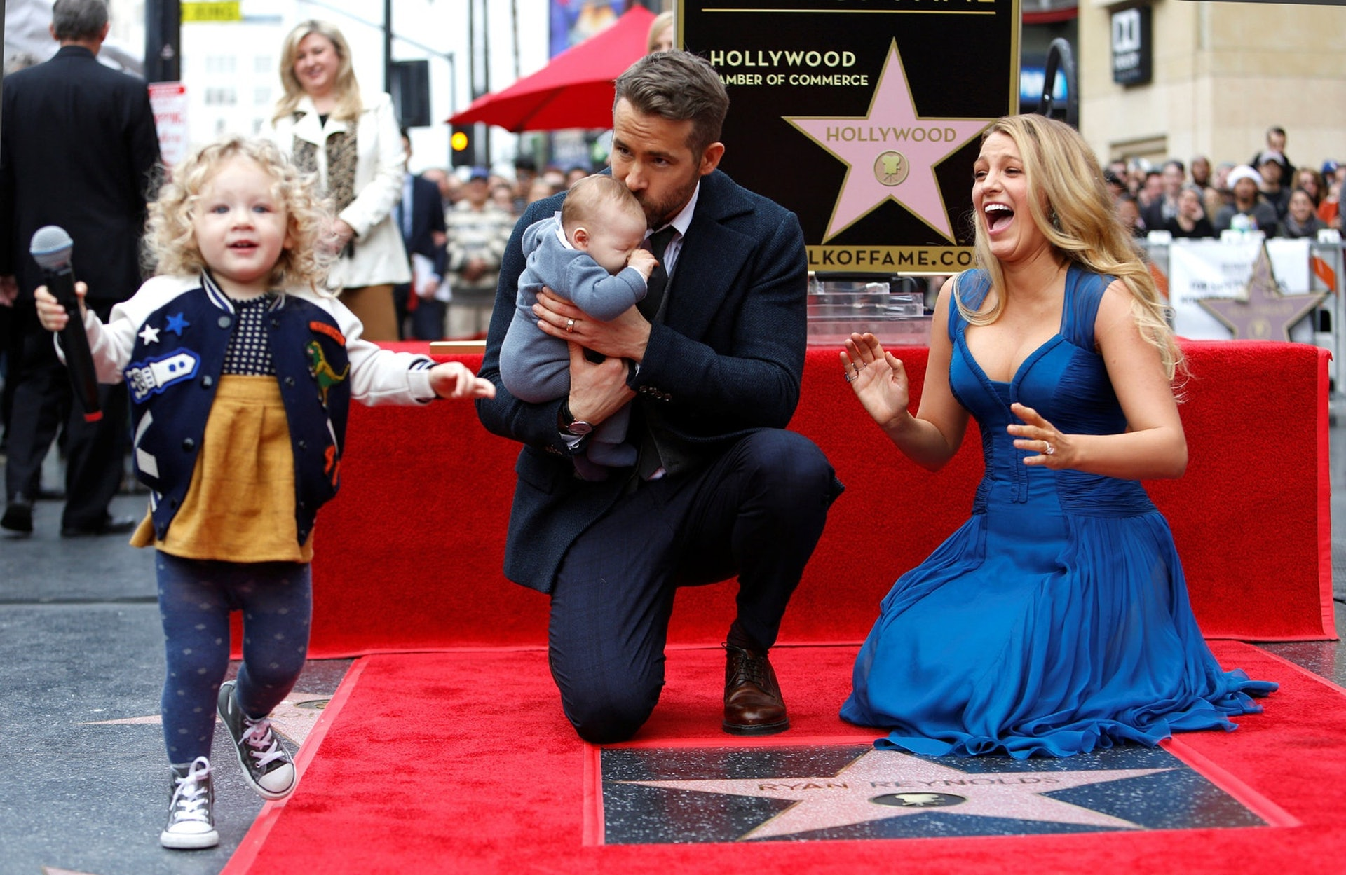 Blake與Ryan之前已經有兩個寶貝女,兩人即將迎來第三個小朋友,相當幸福!(Getty Images)