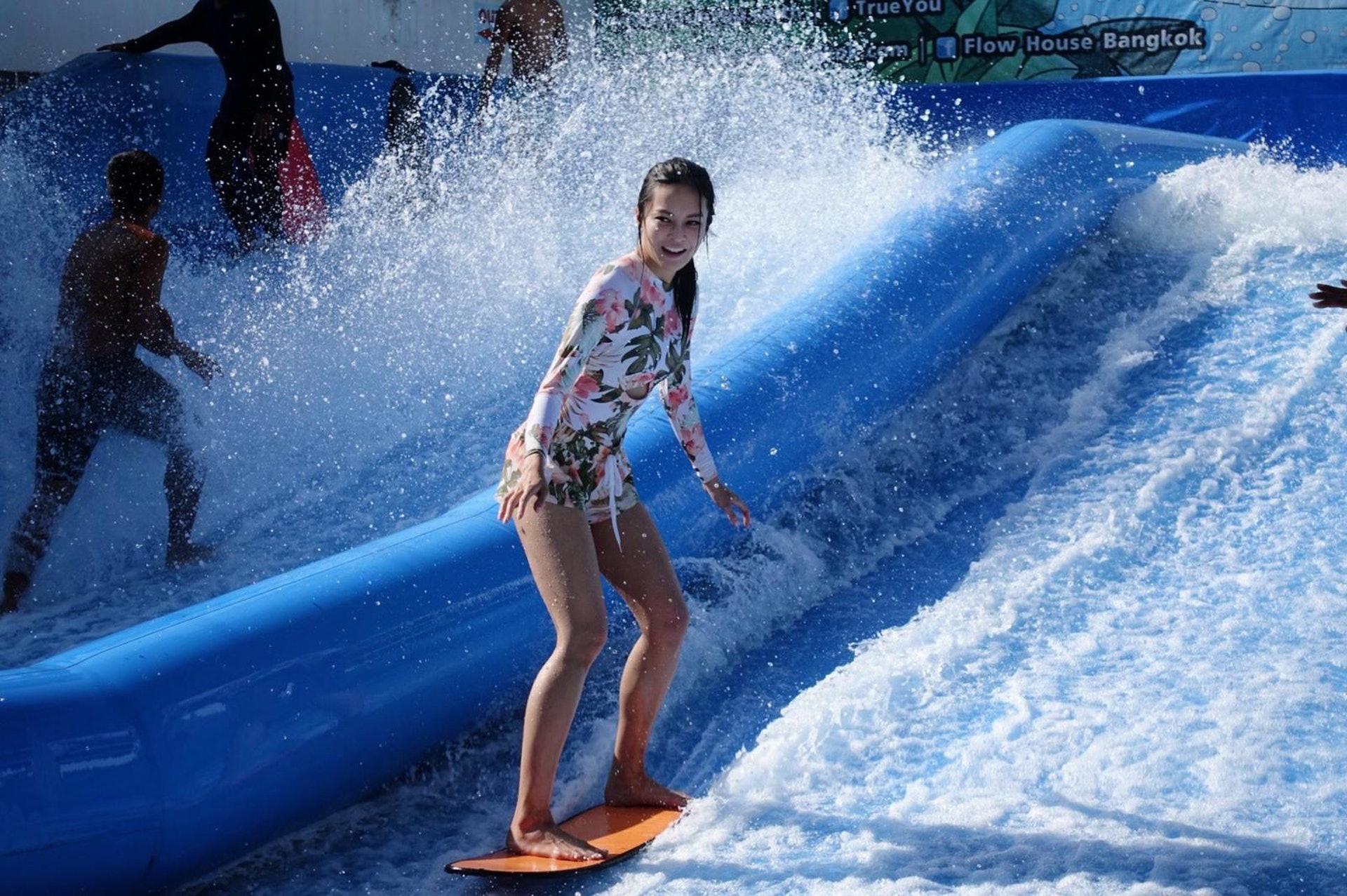 張曦雯也去了滑浪。(受訪者提供)
