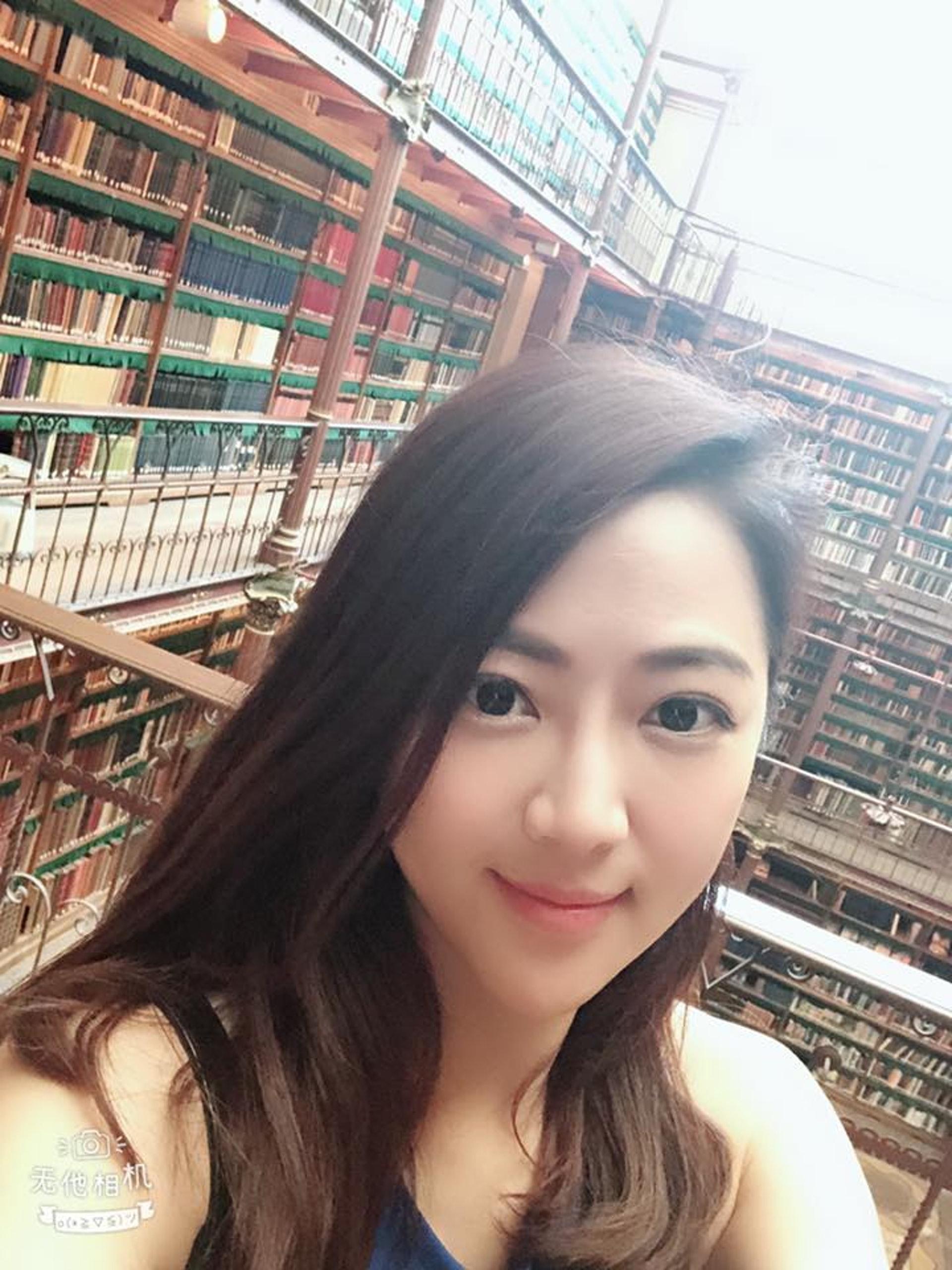 張熙恩稱可能當時在國外的緣故,所以令大家誤會是在度蜜月,言承旭只是探望她。(張熙恩Facebook)