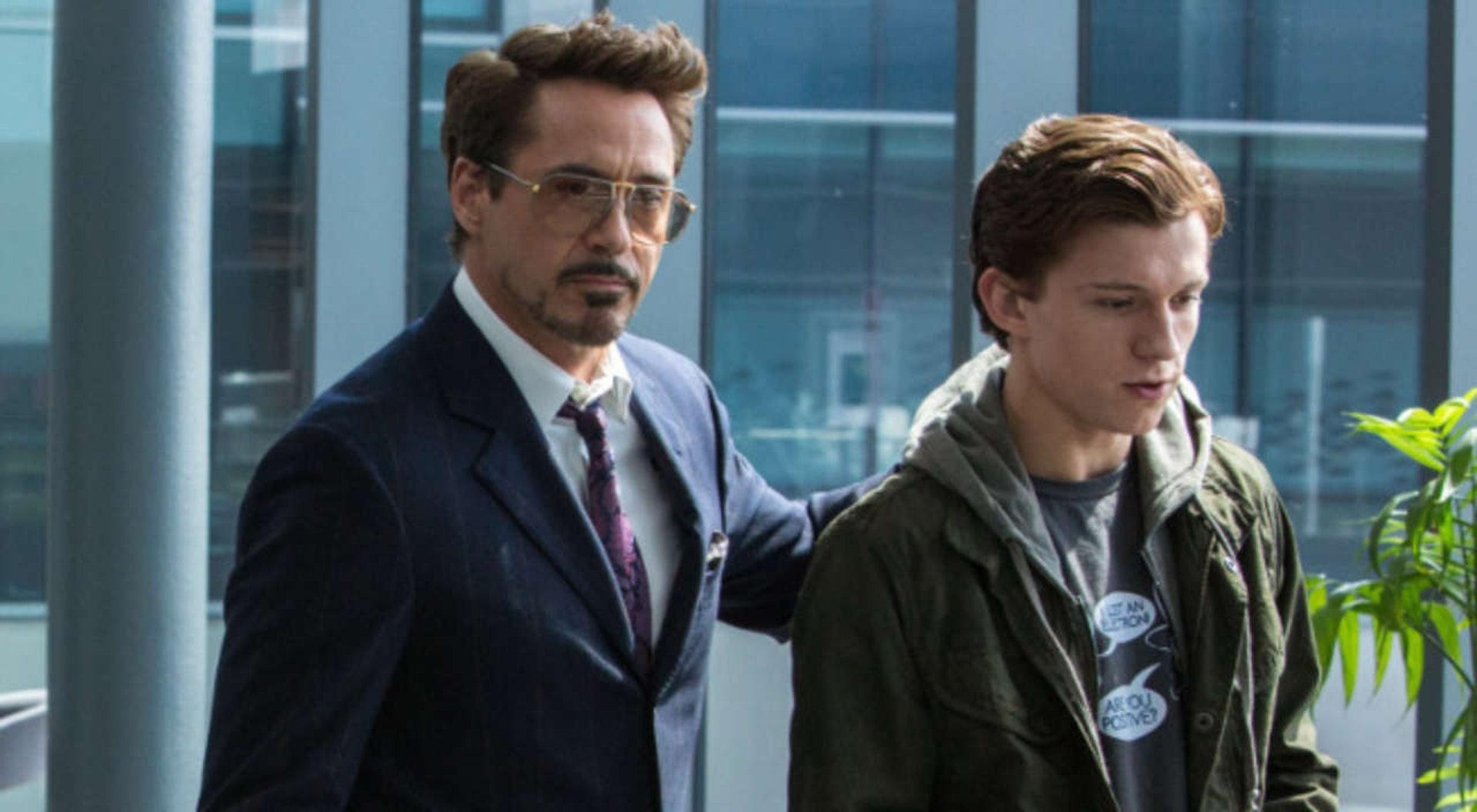 「鐵甲奇俠」當「蜘蛛俠」是自己的兒子一樣,父愛爆發。(劇照)