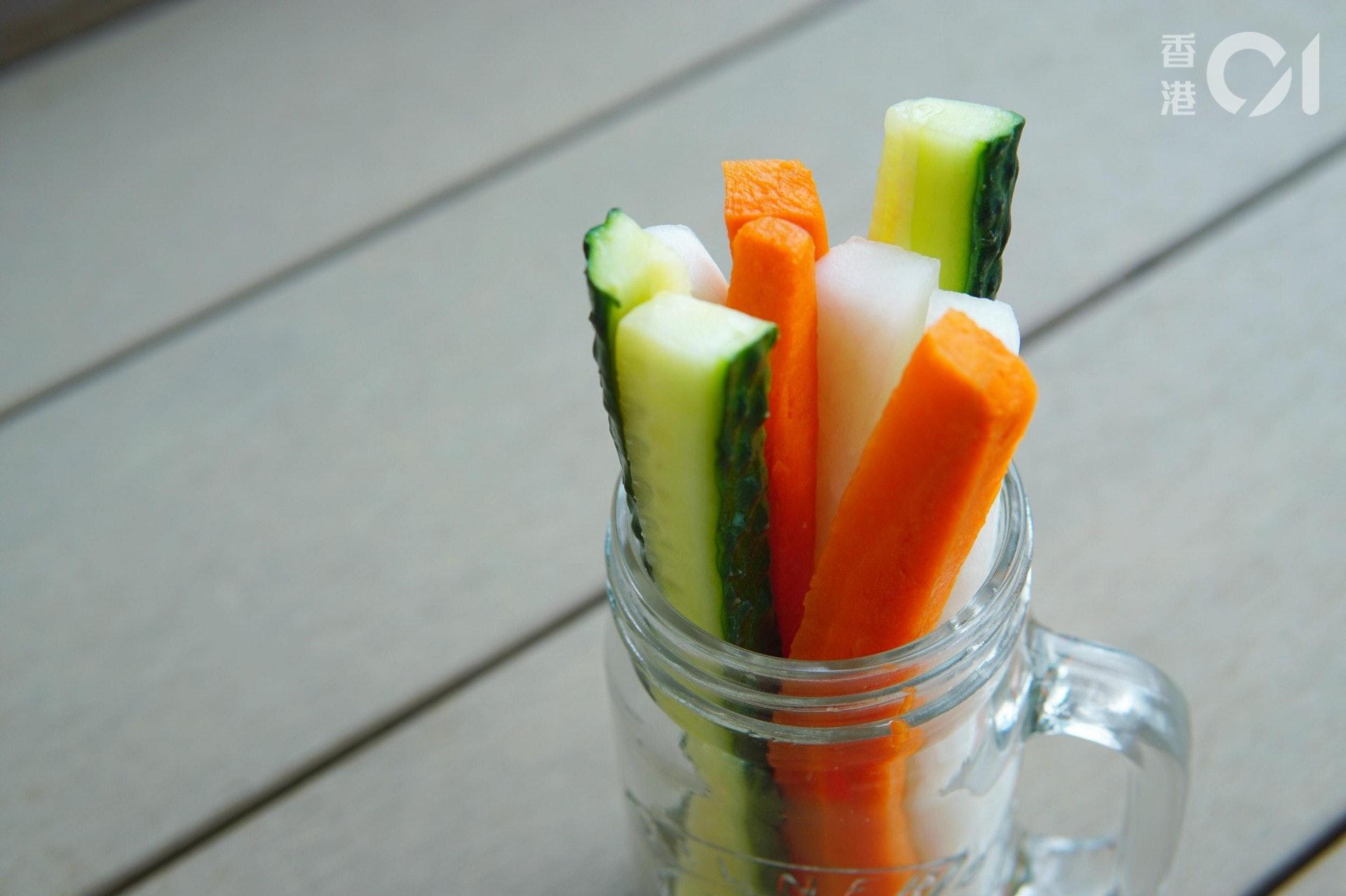 Lillian另補充:「除了醋醃蔬菜,市面上有售大量充滿醬汁的醃製蔬菜,鈉質相對較高,建議留意食用分量。此外,食品商為了延長產品的保鮮期,會加入防腐劑或其他添加劑等,建議不要經常食用。」
