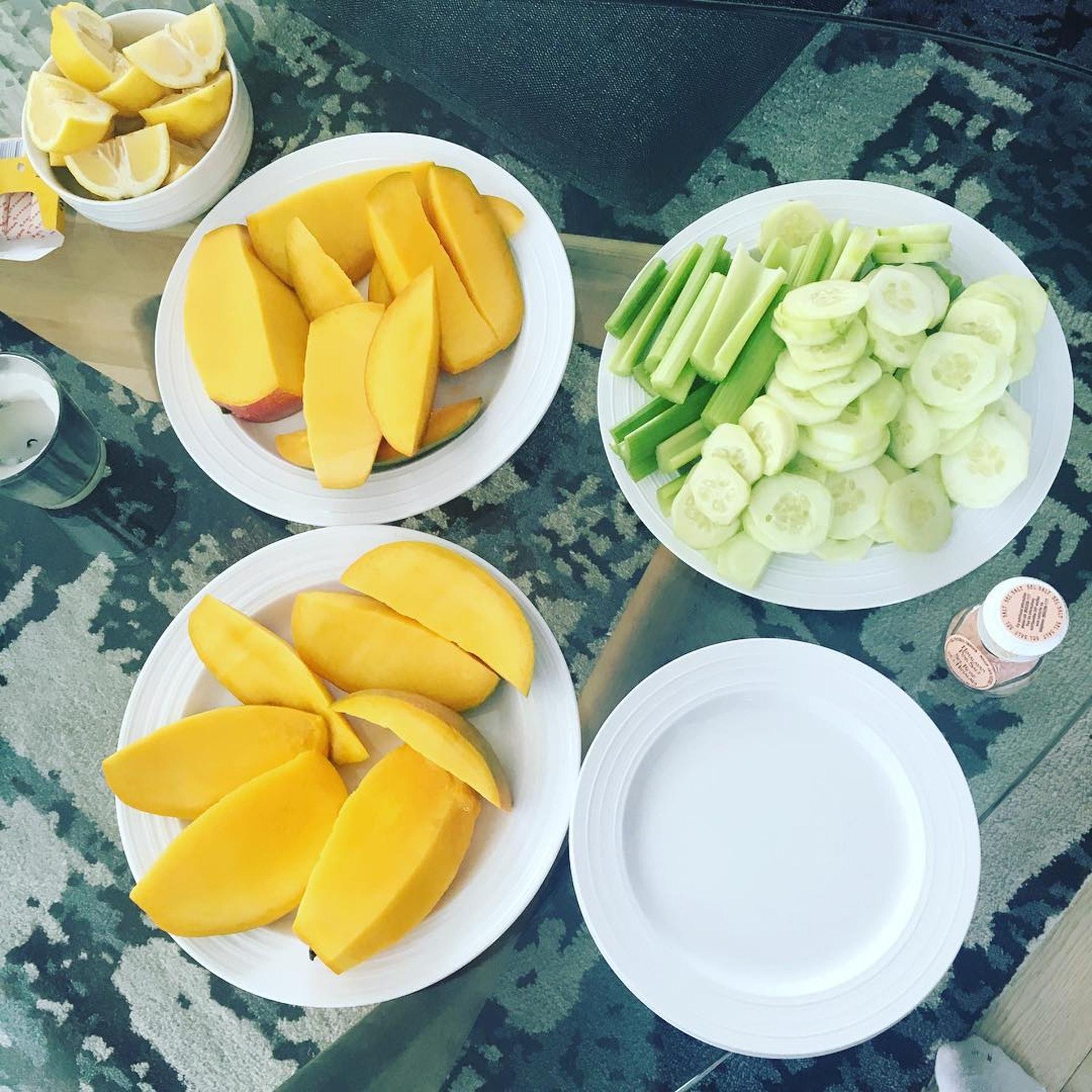 Naomi Scott不會因為瘦身而捱餓,會精明選擇食物。(IG_naomigscott)