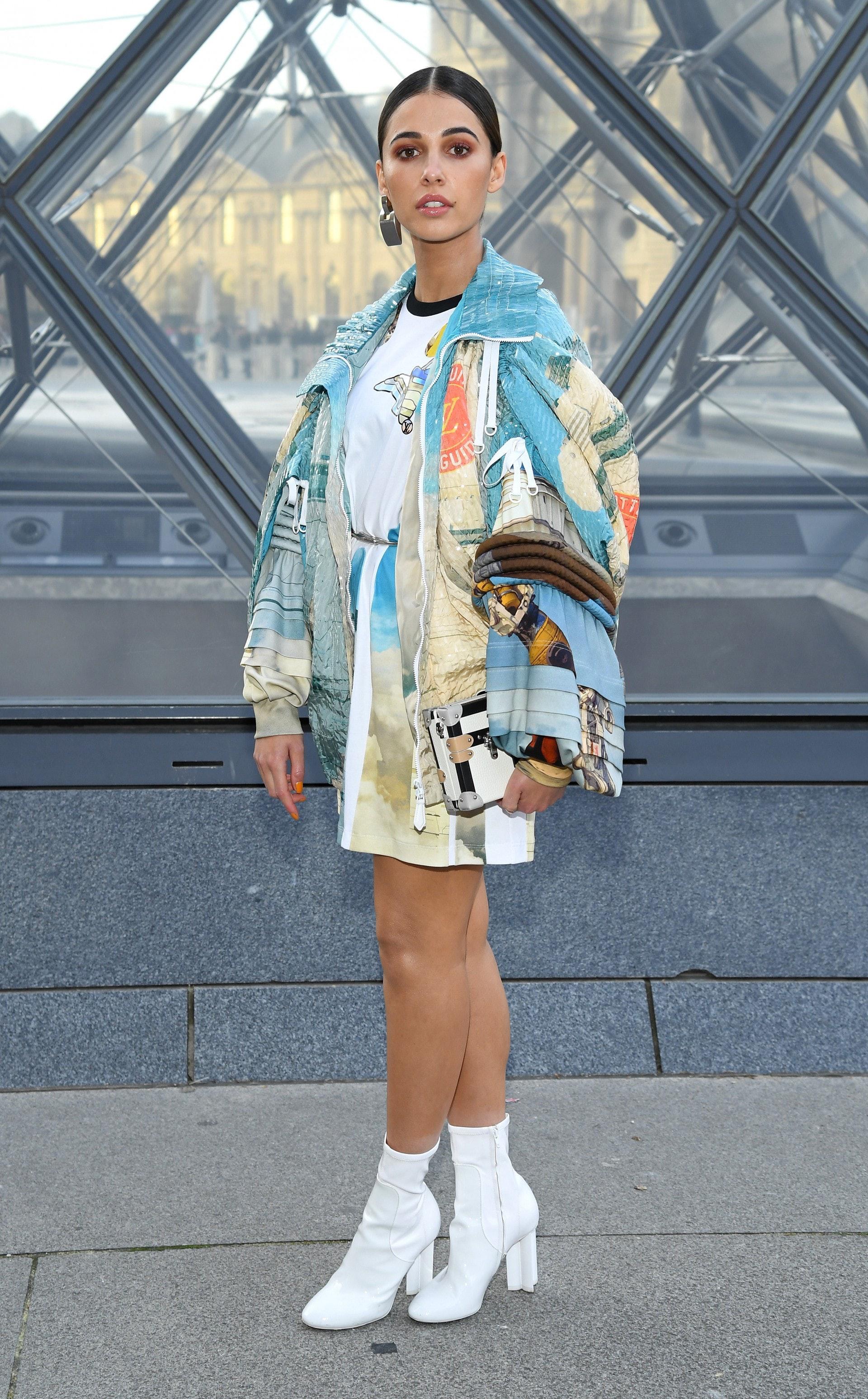 Naomi Scott私下的時尚穿搭同樣美麗動人(Getty Images)