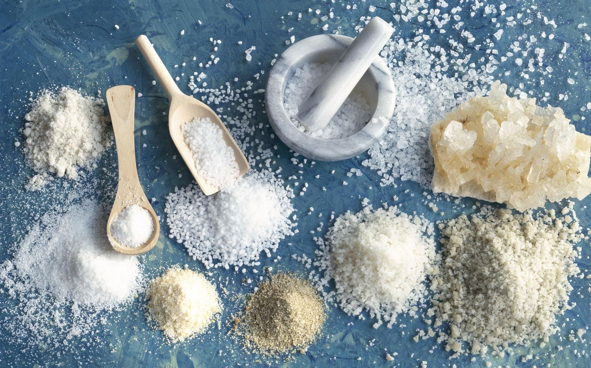 体内积存过量é'质,可能提升高血压及中风的风险,高é'的定义,即每100克食物含超过600毫克é'(1.5克盐)。 (VCG)
