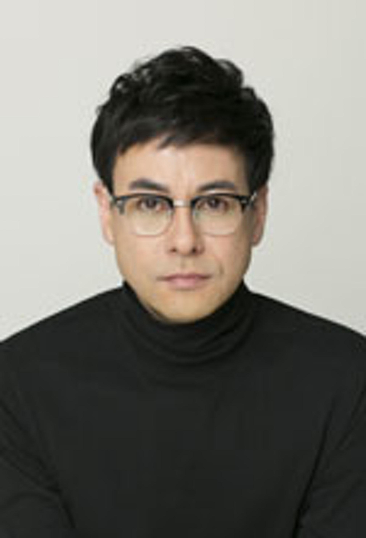 鈴木浩介,代表作有電視劇《欺詐師》。(SISカンパニー事務所官網圖片)